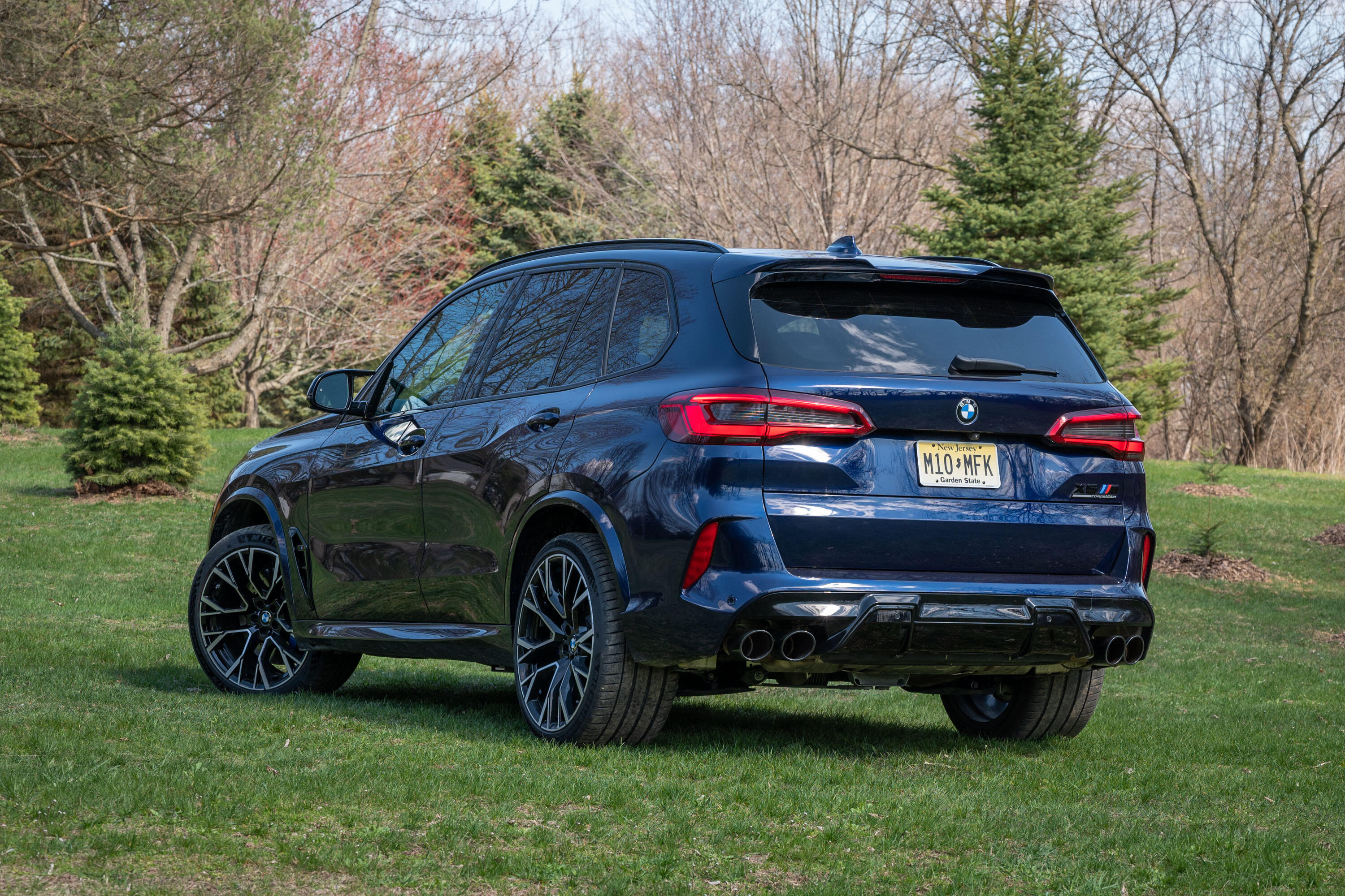 2020-bmw-x5-m-competition-02