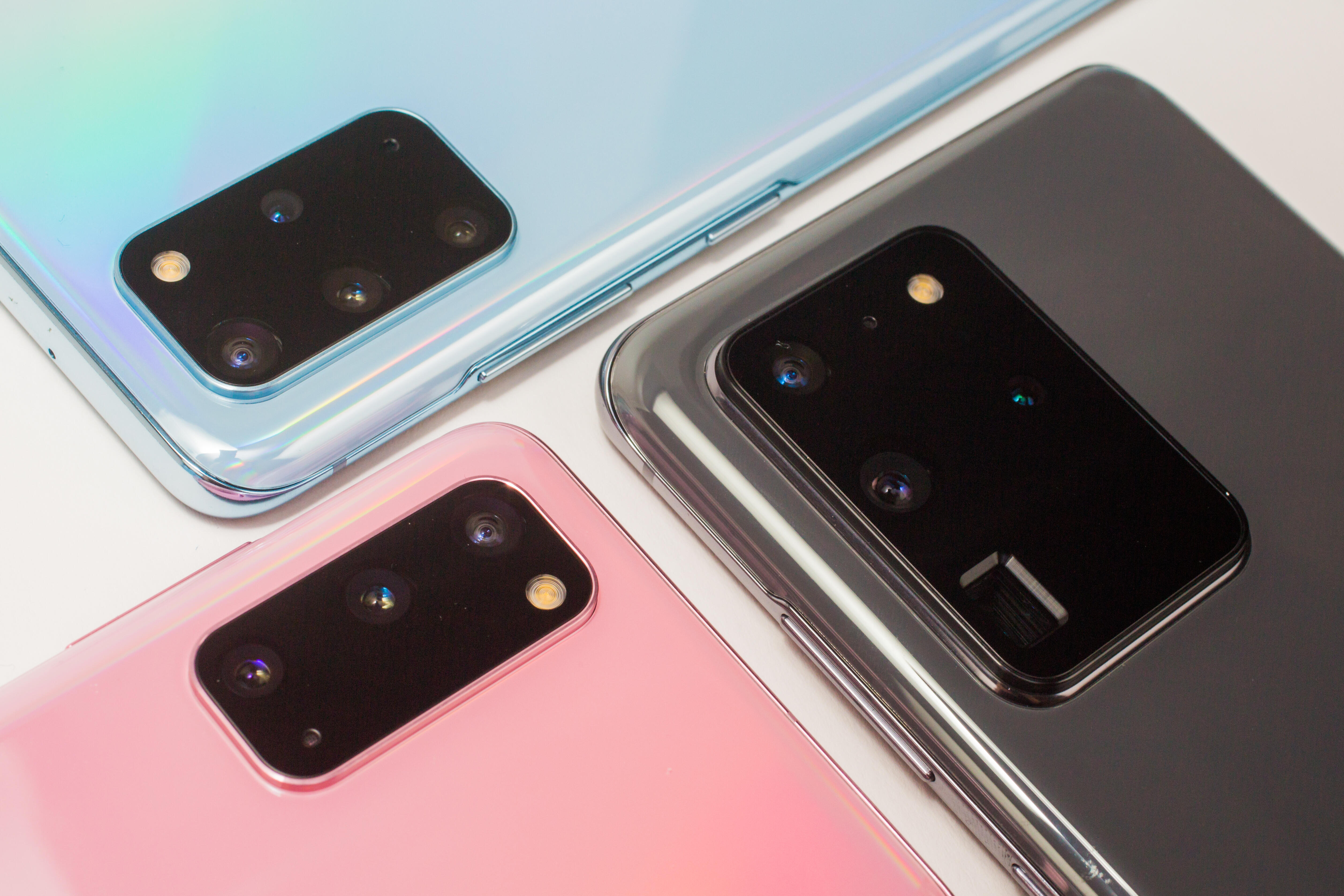Samsung Galaxy S20 and S20 Plus and S20 Ultra group shot