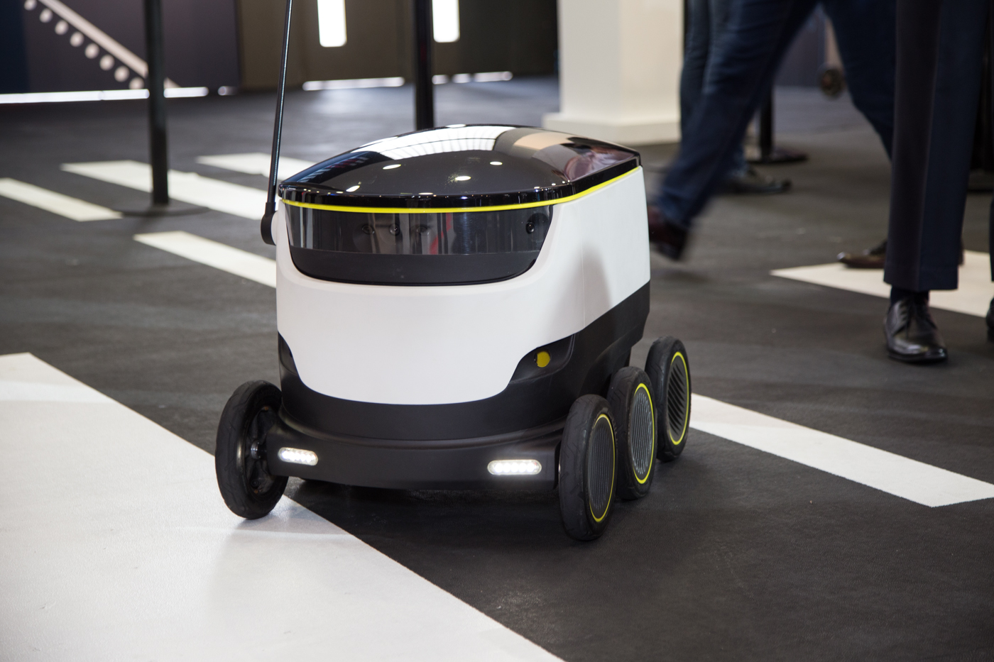 starship-delivery-robot-10.jpg