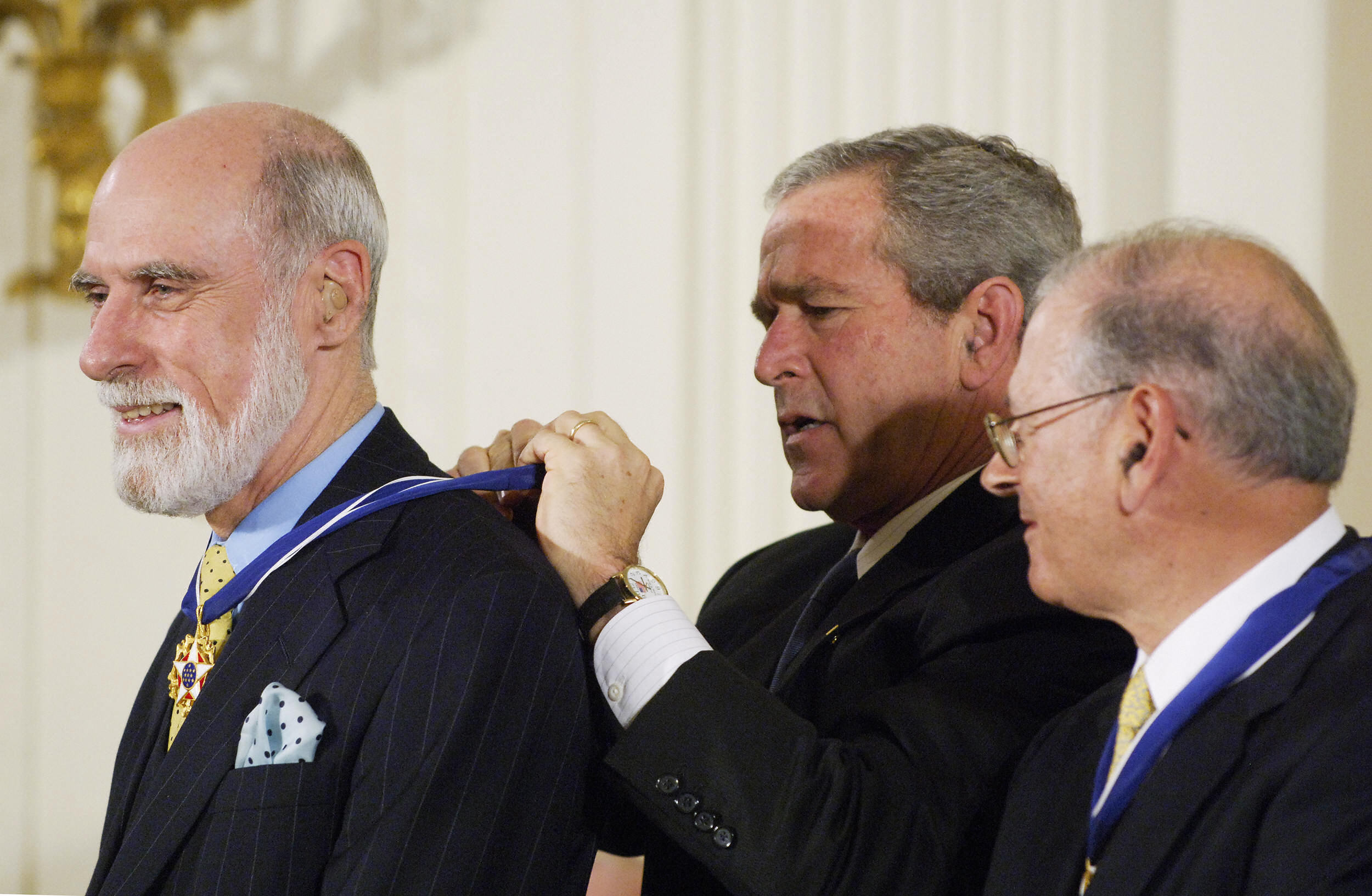 Vint Cerf gets Presidential Medal of Freedom from President George W. Bush.