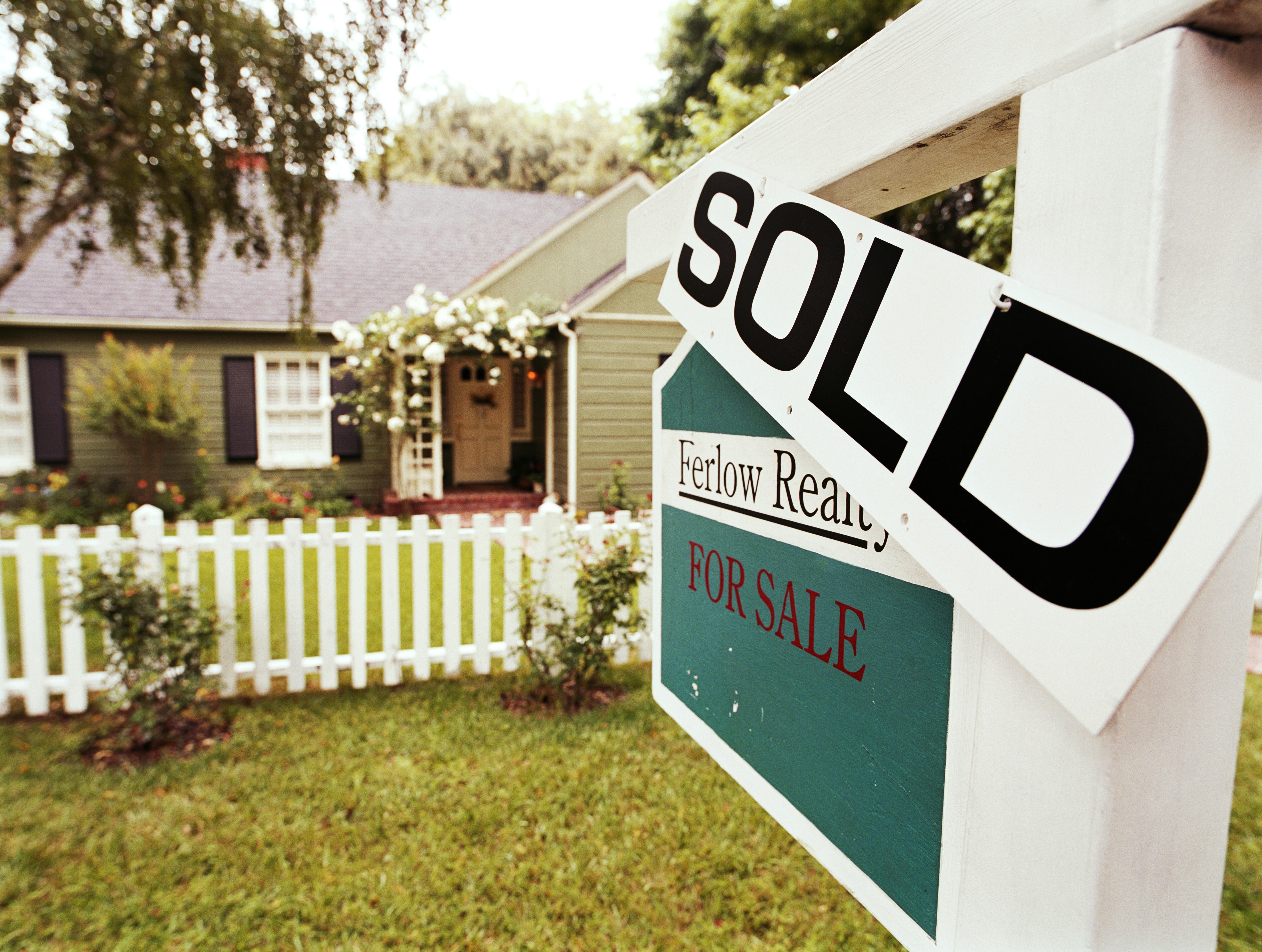 <p>Google has info on buying a home.&nbsp;</p>