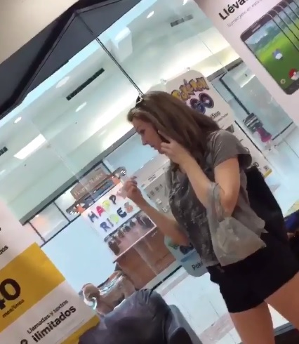 A video capturing a woman making racist and threatening comments has gone viral.