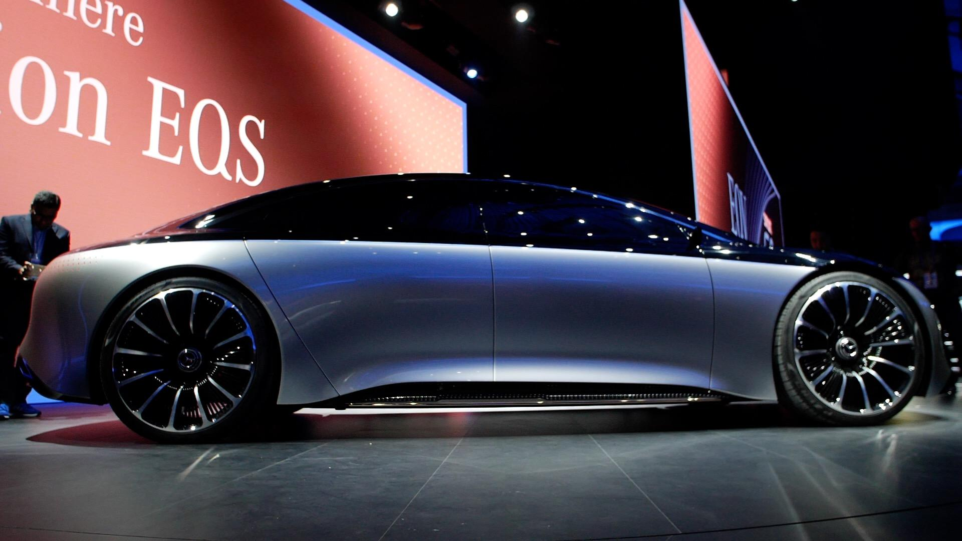Video: Mercedes-Benz Vision EQS concept is the electric S-Class of the future