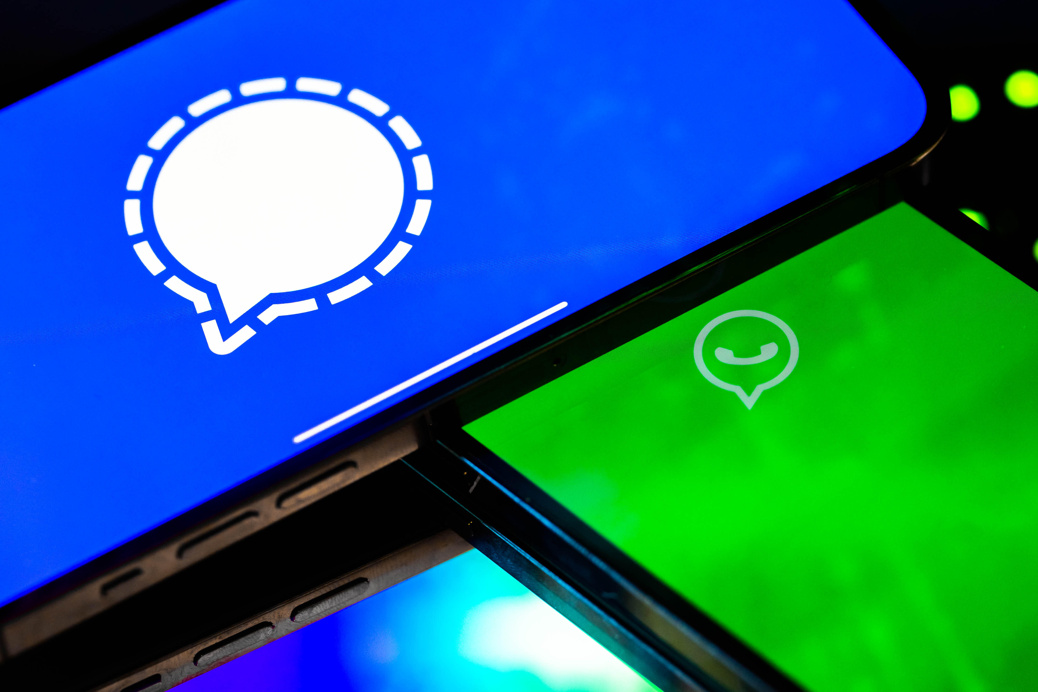 Signal and WhatsApp messaging