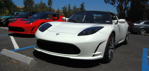 Rather than giving the Roadster a new model year designation, Tesla refers to this as a version 2.5 update.