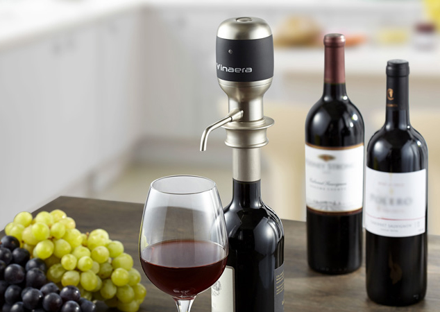 The Vinaera Electronic Wine Aerator is part of the Red Dot Best of the Best 2014 collection.