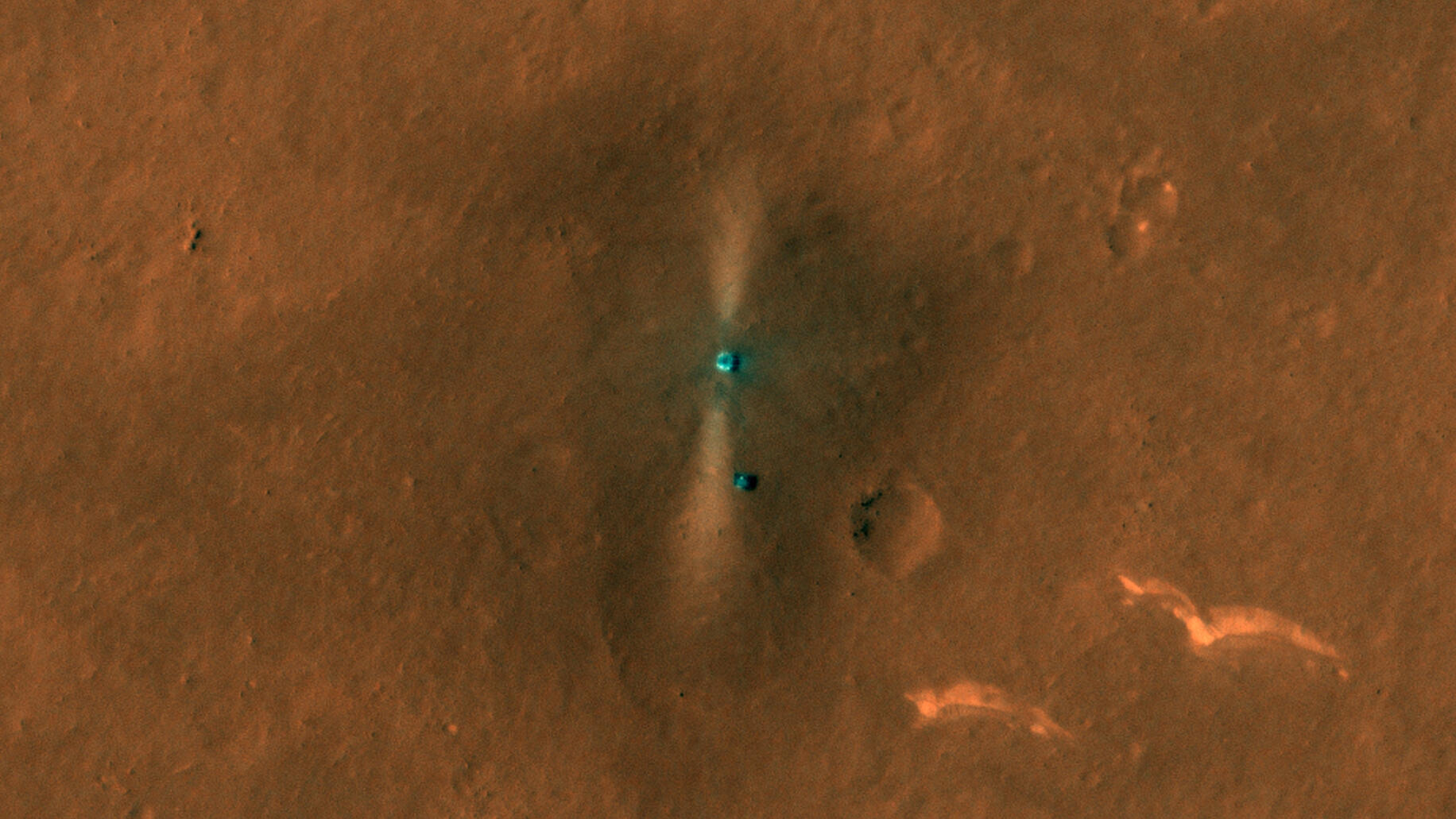 NASA Mars orbiter grabs dramatic first view of China's elusive rover - CNET