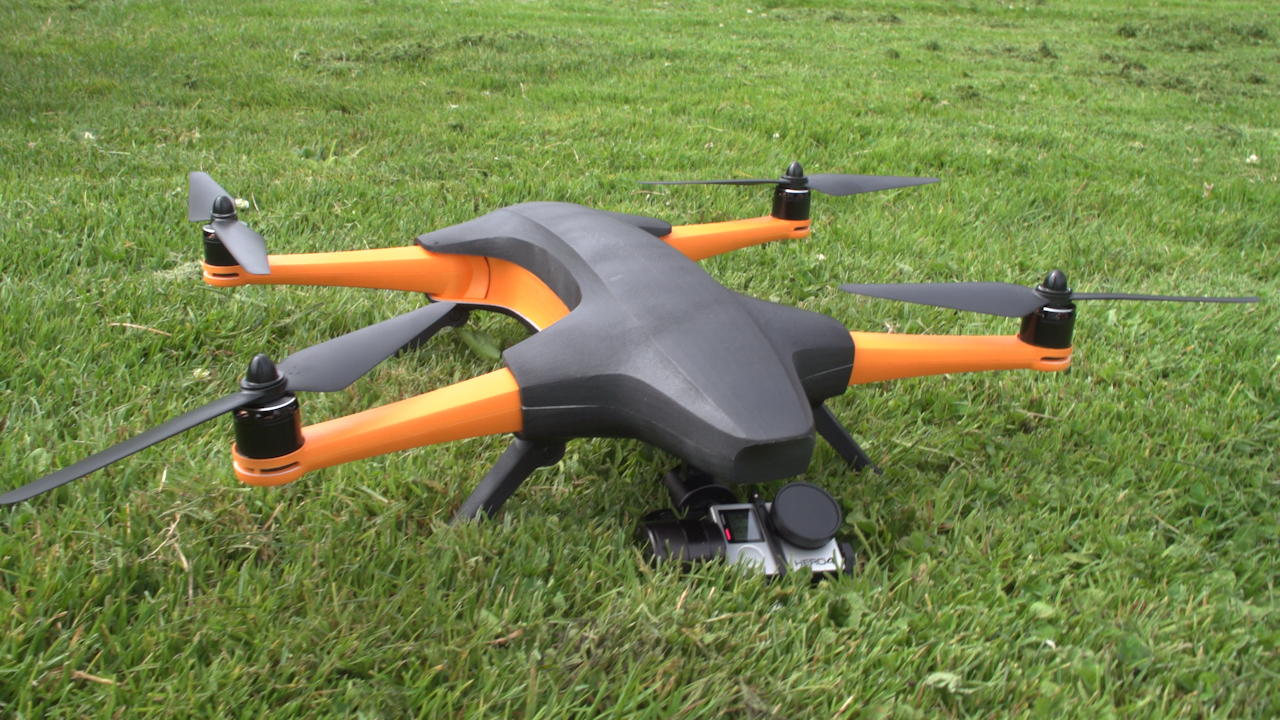 Video: Staaker drone follows you from above