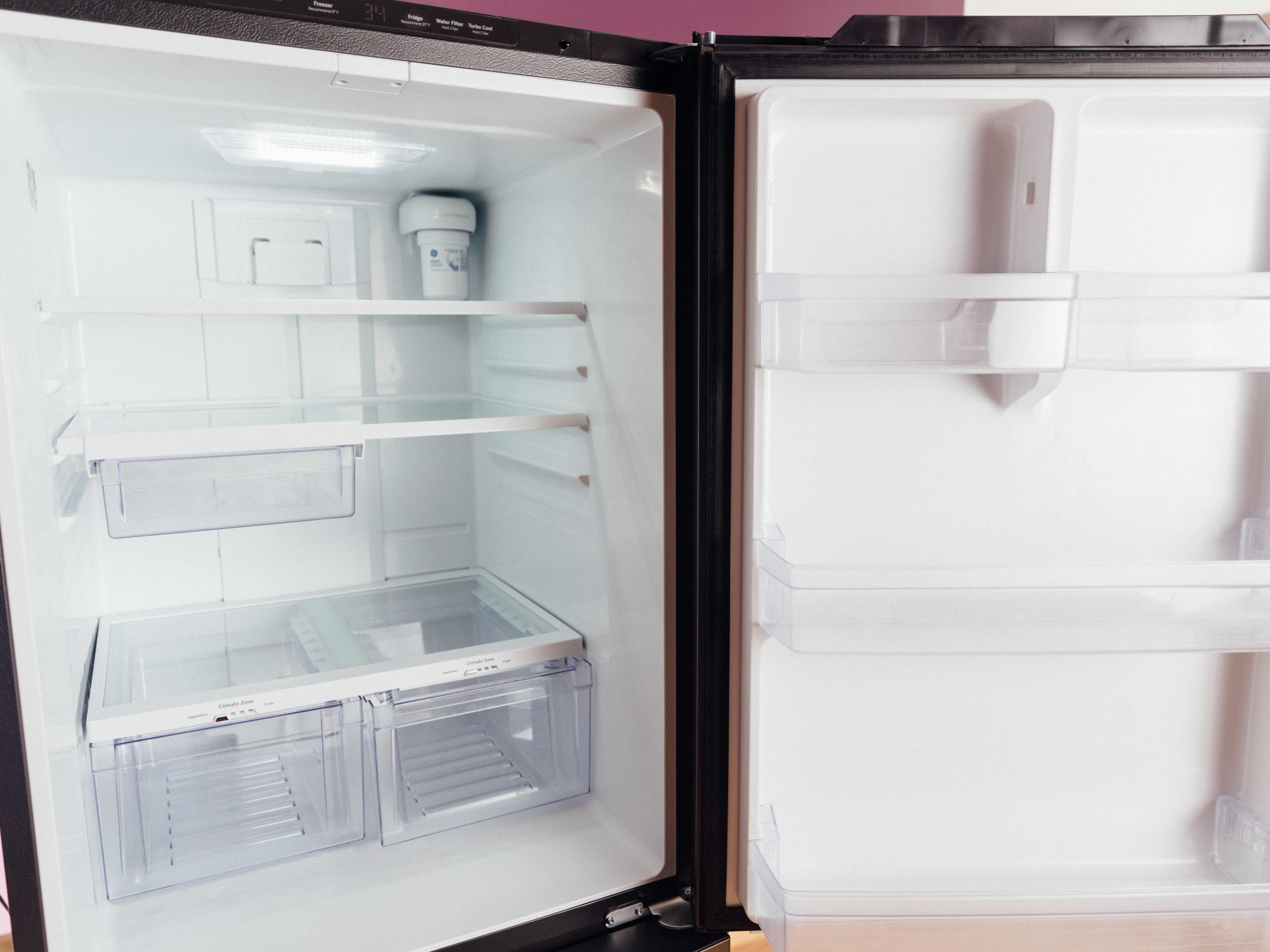ge-gde21emkes-bottom-freezer-refrigerator-product-photos-2.jpg