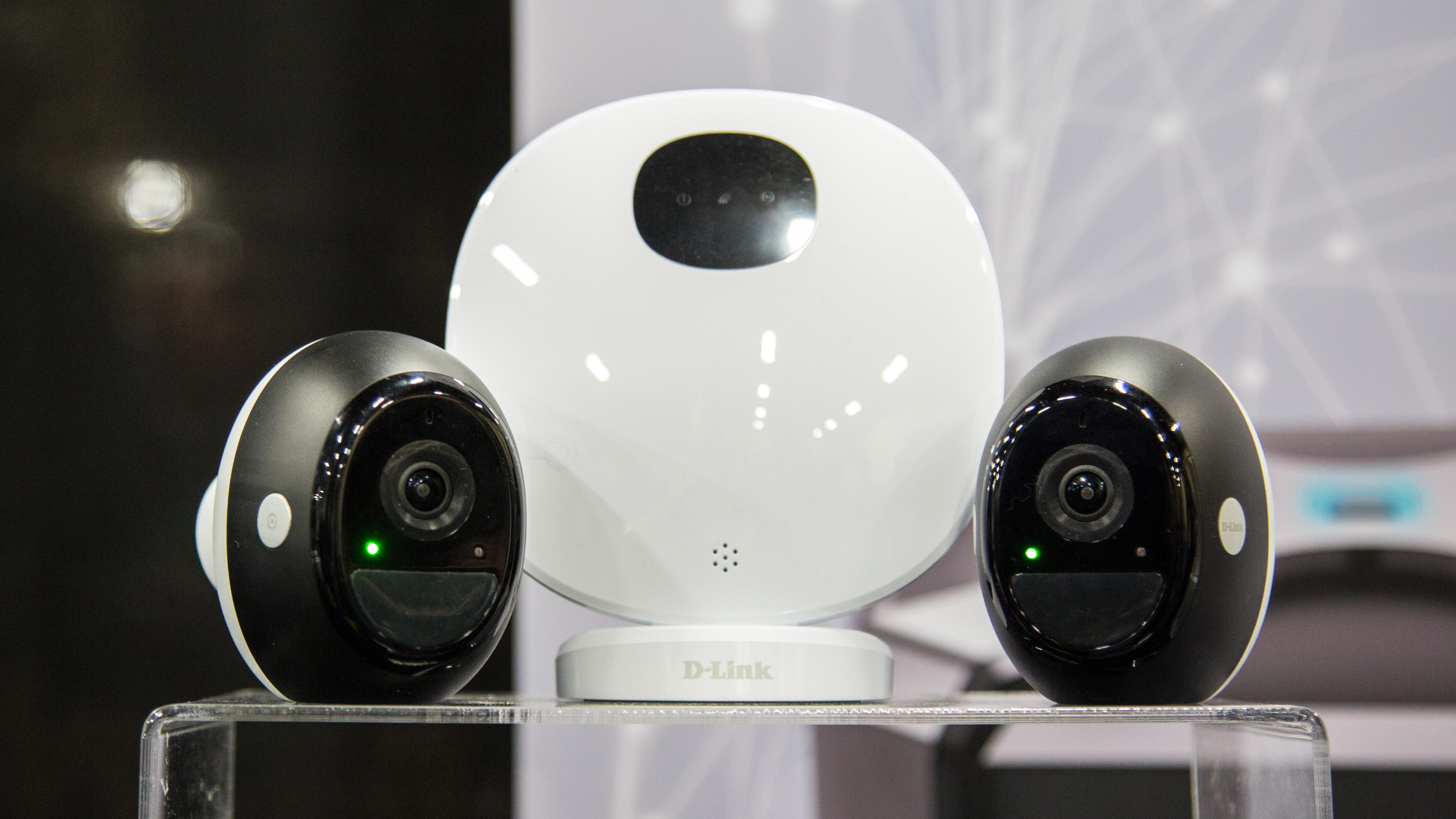 d-link-wire-free-full-hd-indoor-outdoor-camera-dch-0