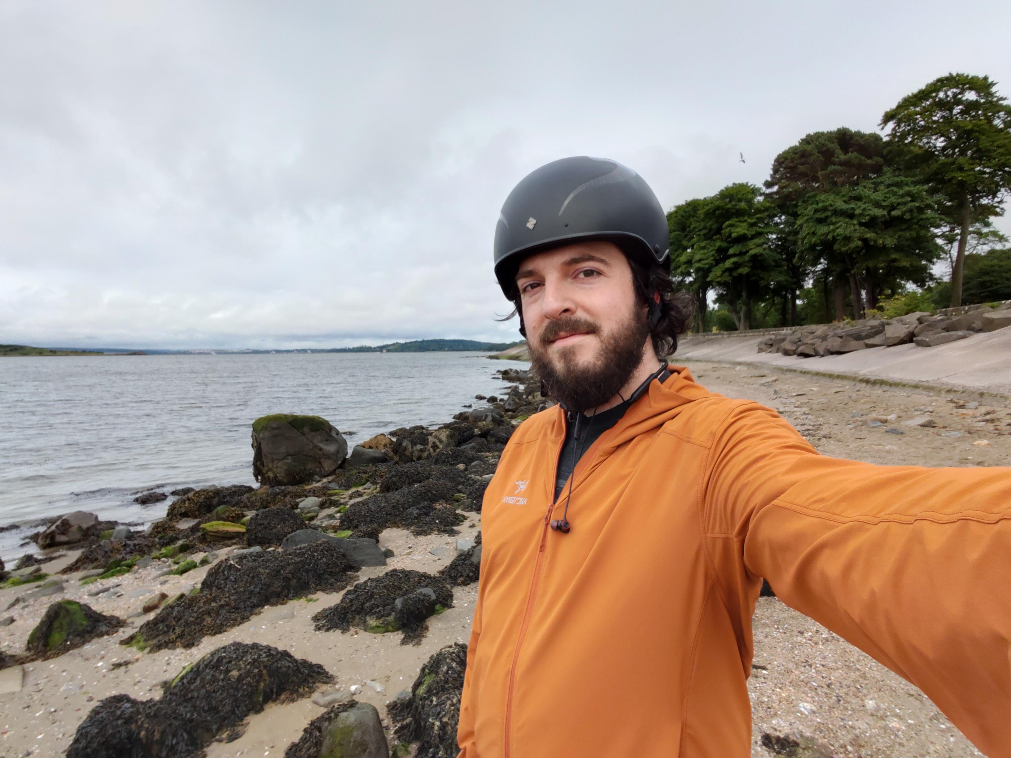 oneplus-nord-selfie-wide