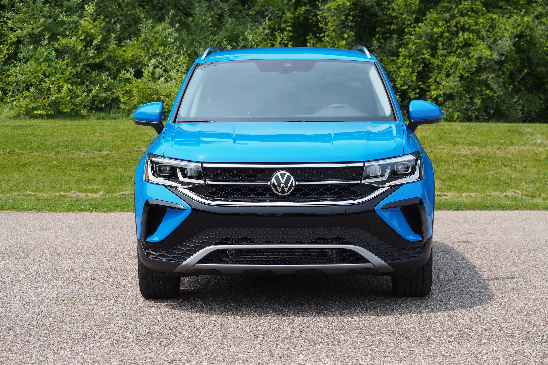 2022 Volkswagen Taos SEL FWD - front