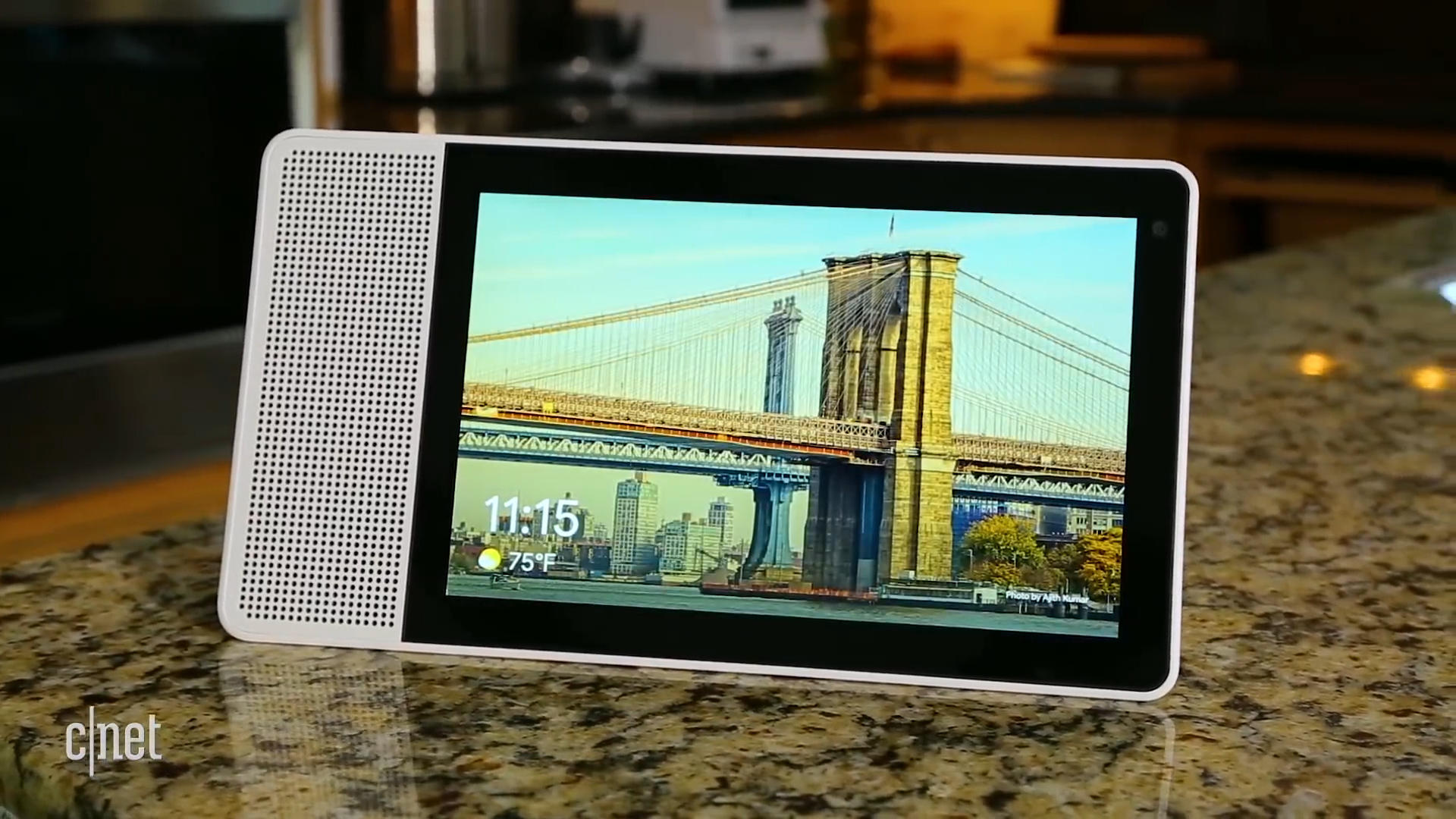 lenovo-smart-display-review-showing-up-the-echo-show-mp4-00-00-35-04-still001
