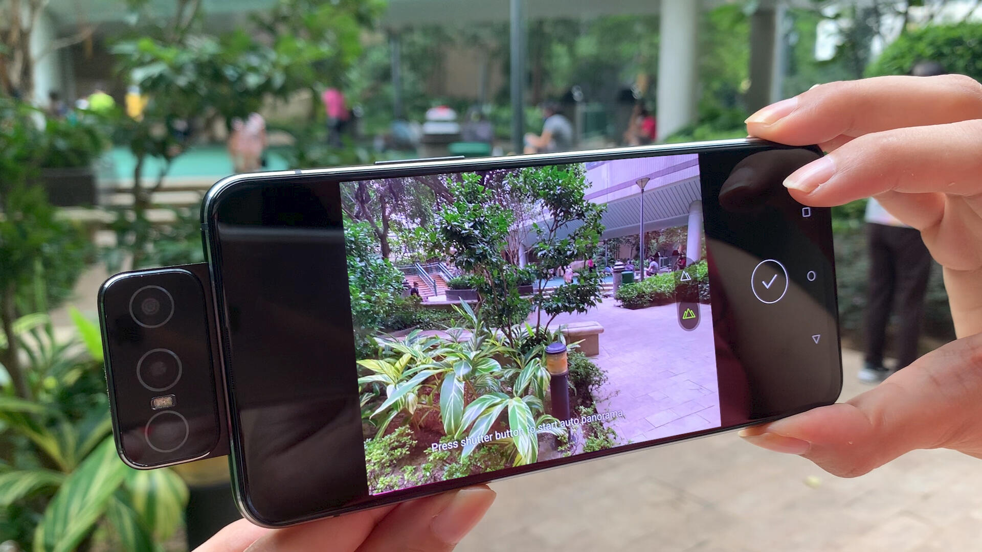 Video: Asus Zenfone 7 Pro review: A bulky 5G phone with flipping cool cameras