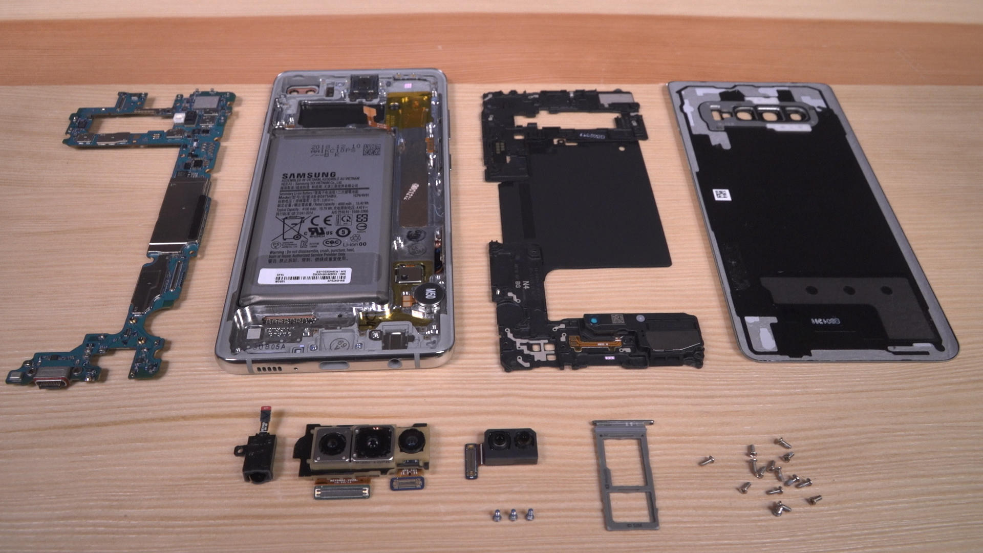 Video: Samsung Galaxy S10 Plus teardown: What's inside?