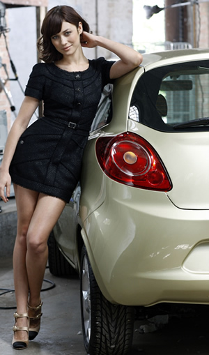 Bond girl with Ford Ka