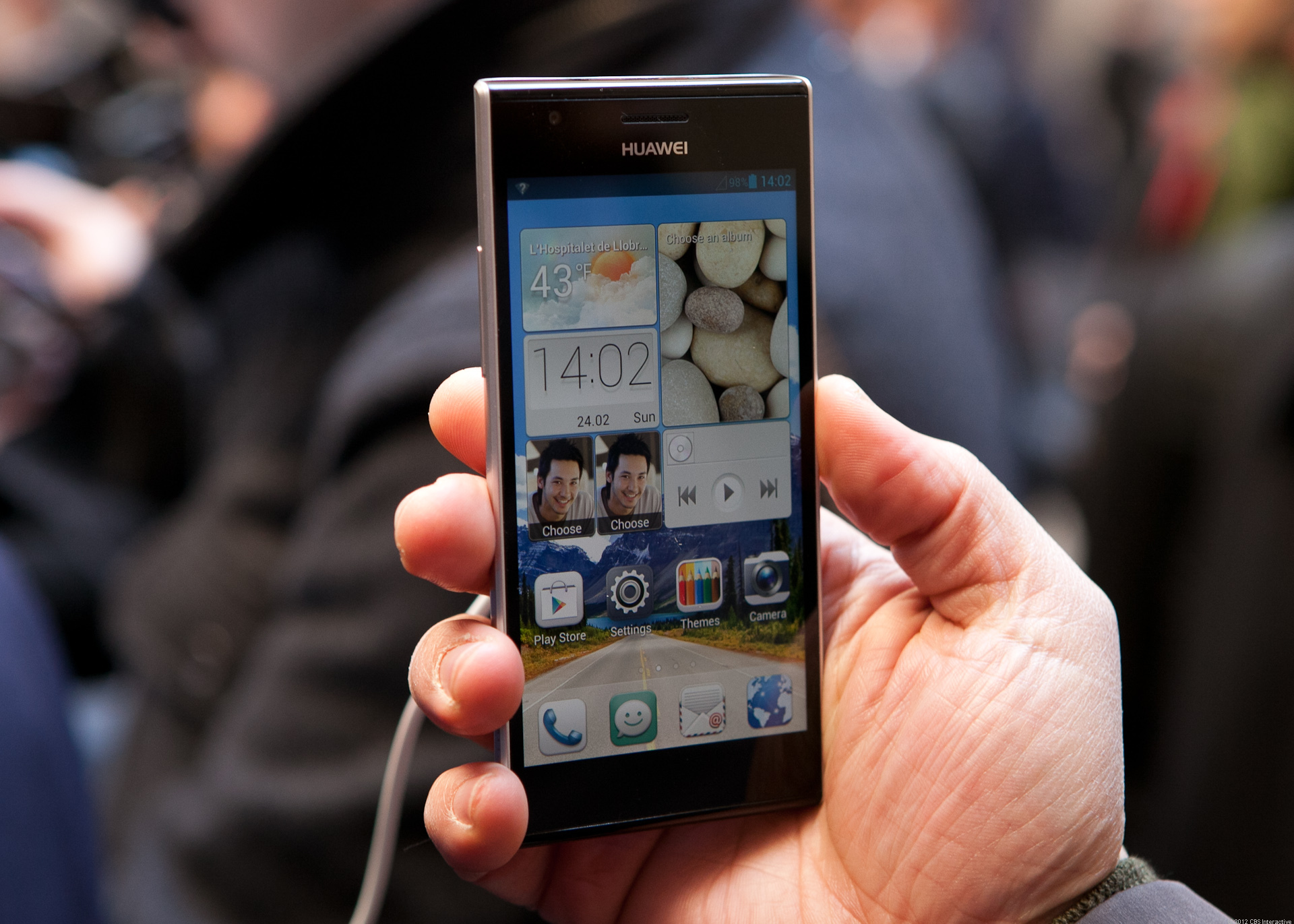 Huawei's super thin Acend P2 (pictures)
