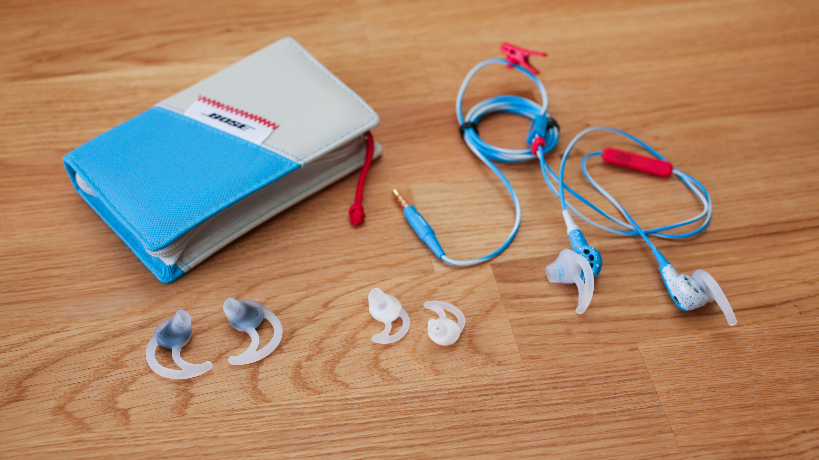02bose-freestyle-earbuds-product-photos.jpg