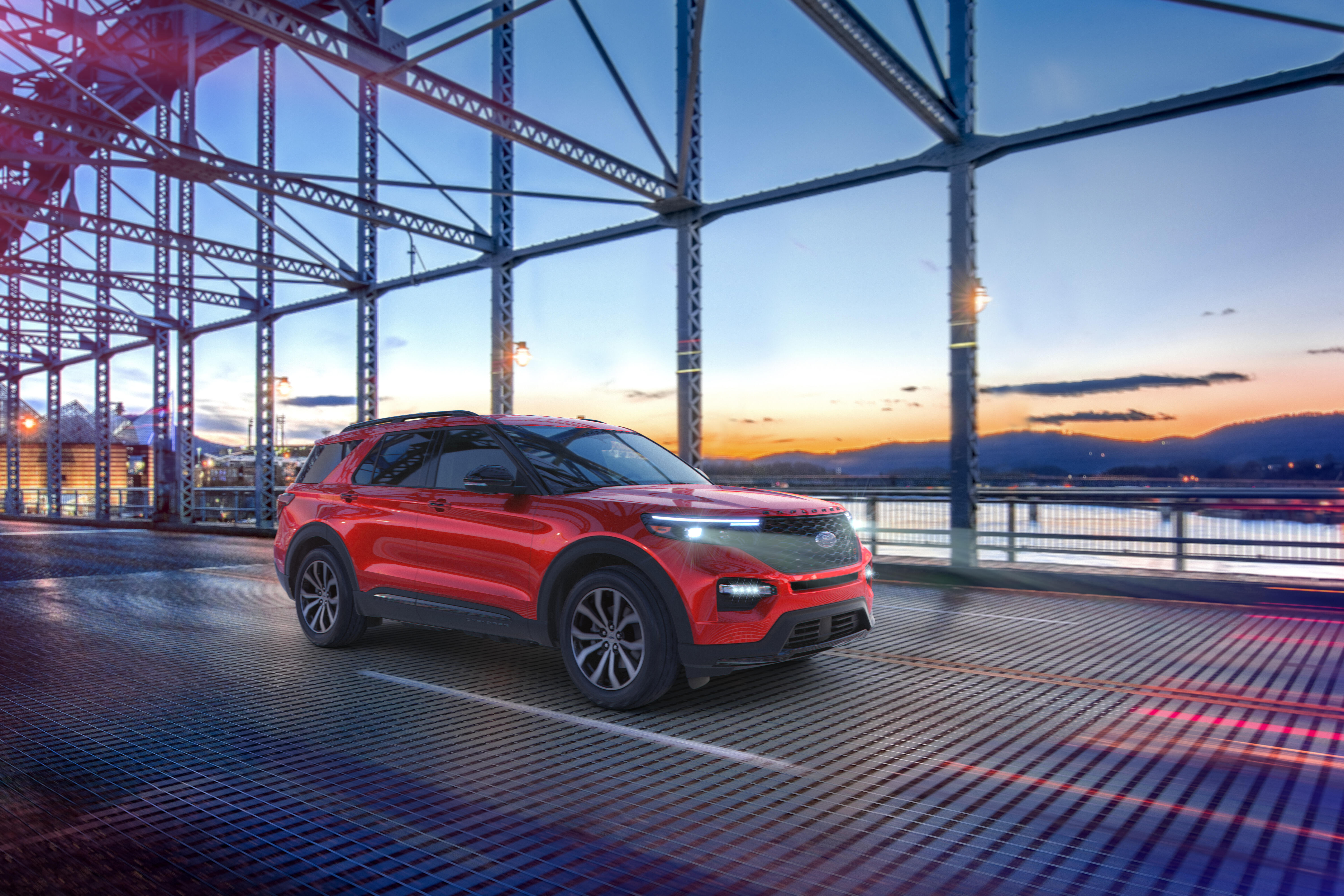 2021 Ford Explorer Enthusiast ST - front three-quarter view