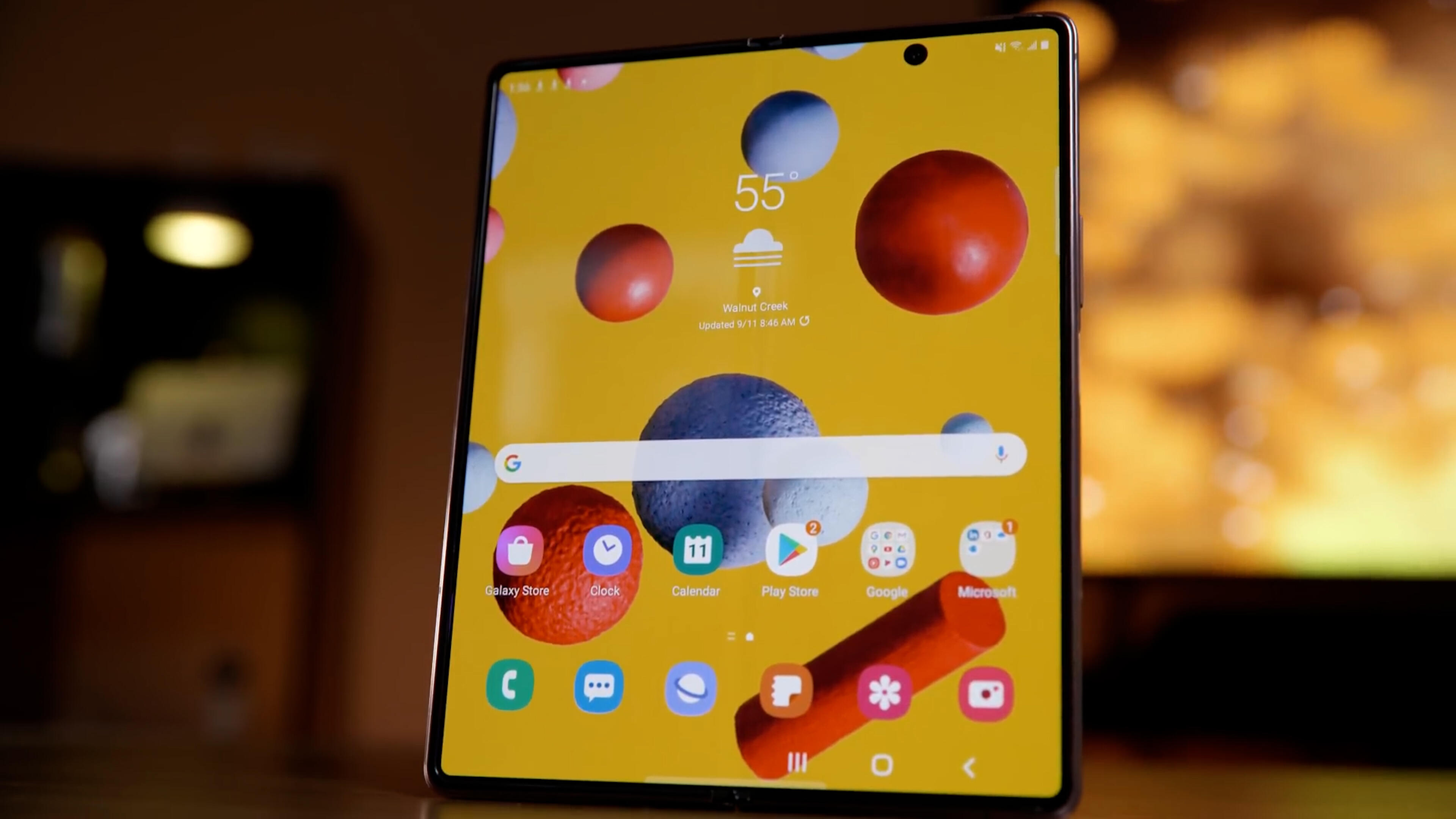Video: Samsung Galaxy Z Fold 3 has a hidden camera?