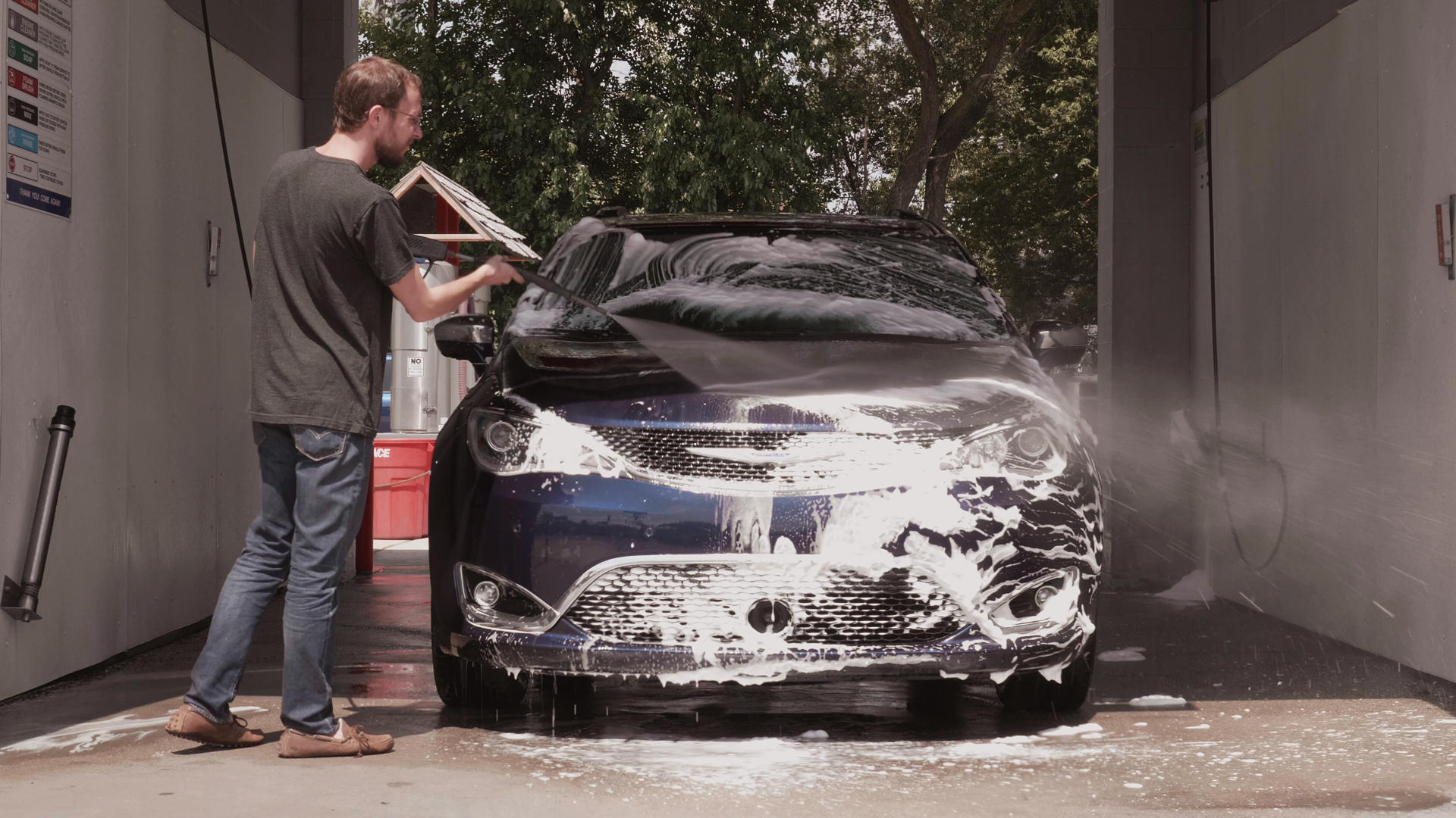 Video: Long-term Chrysler Pacifica update: How it got these scars