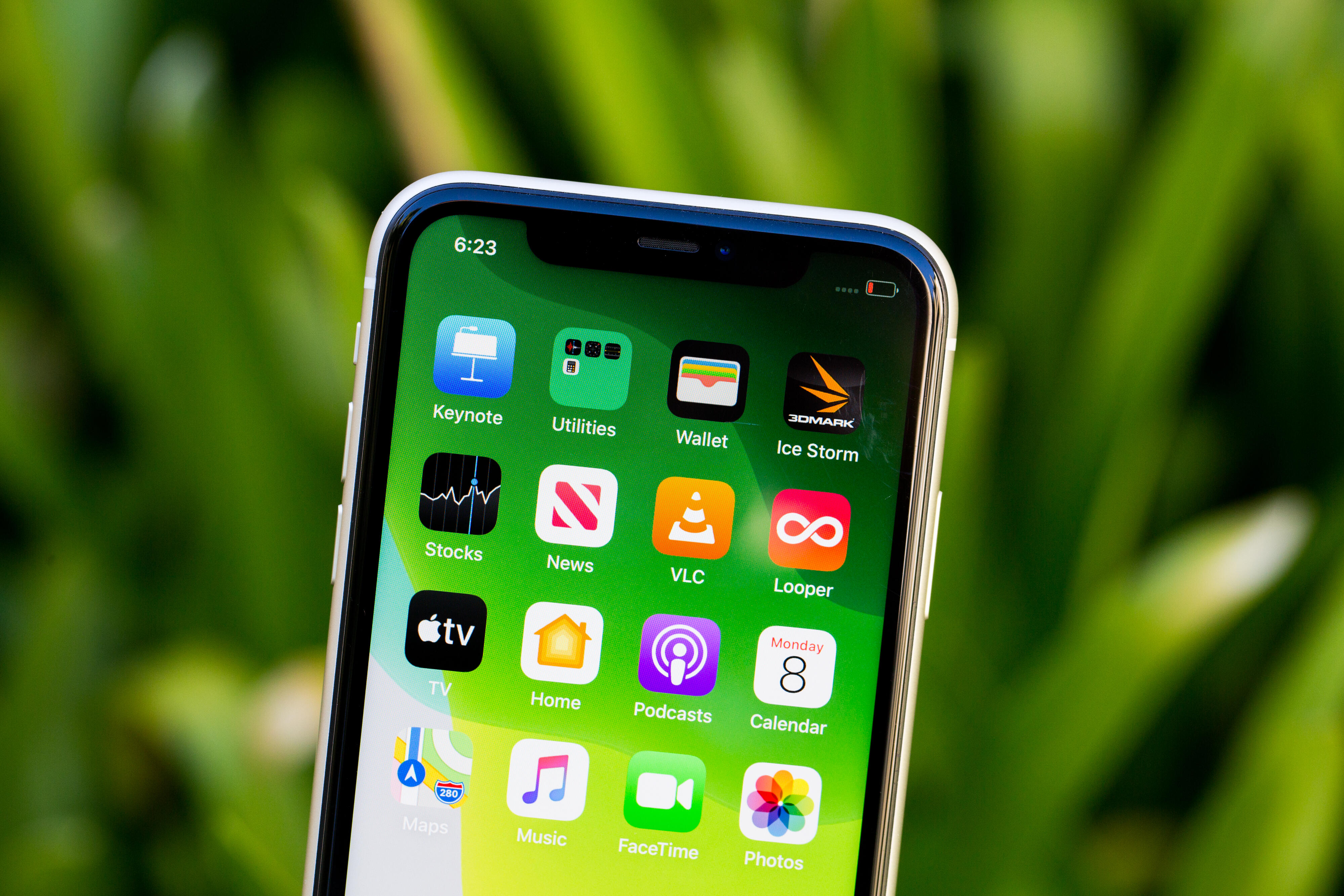 iOS update will fix iPhone 11 green tint issue