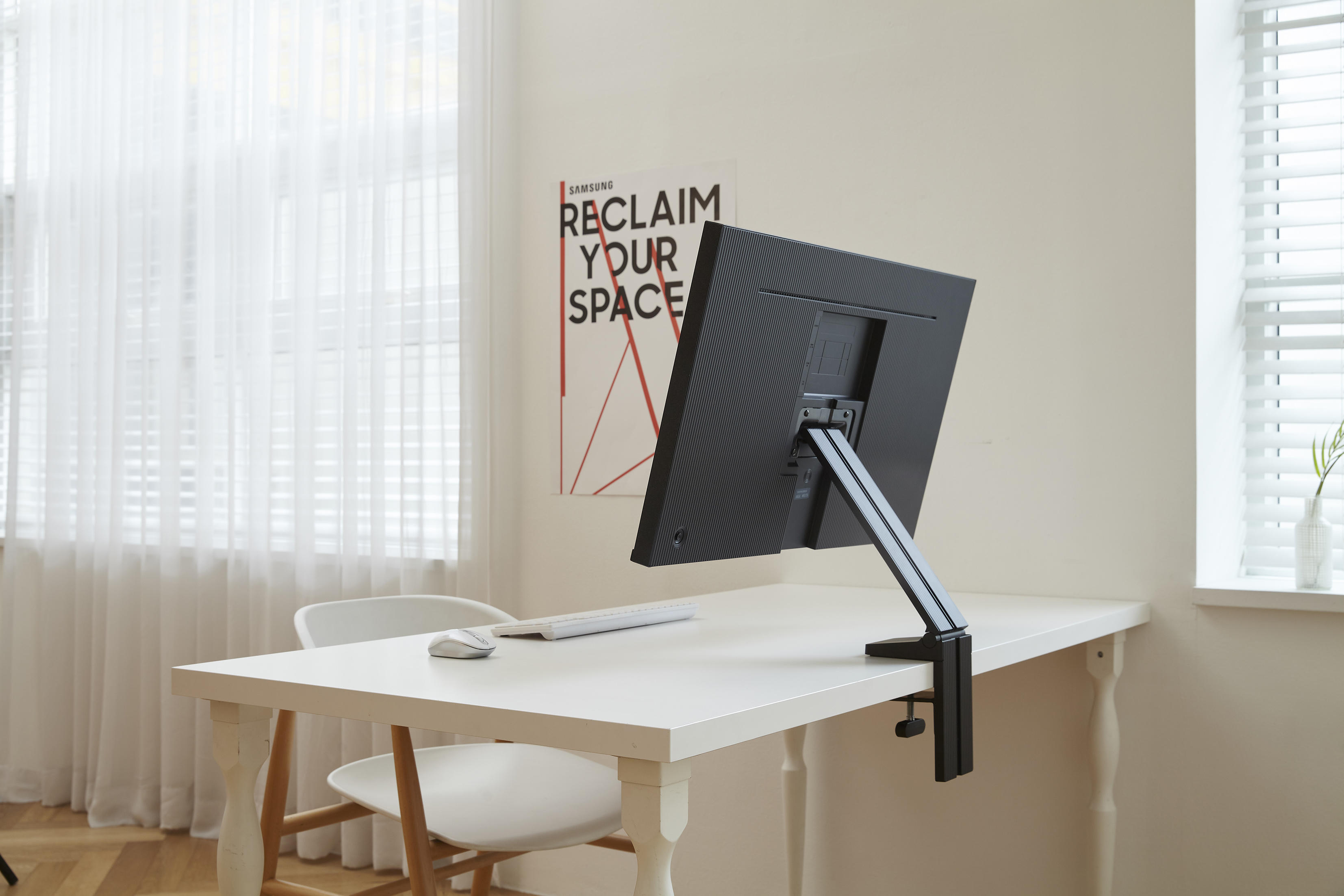 samsung-space-monitor-4