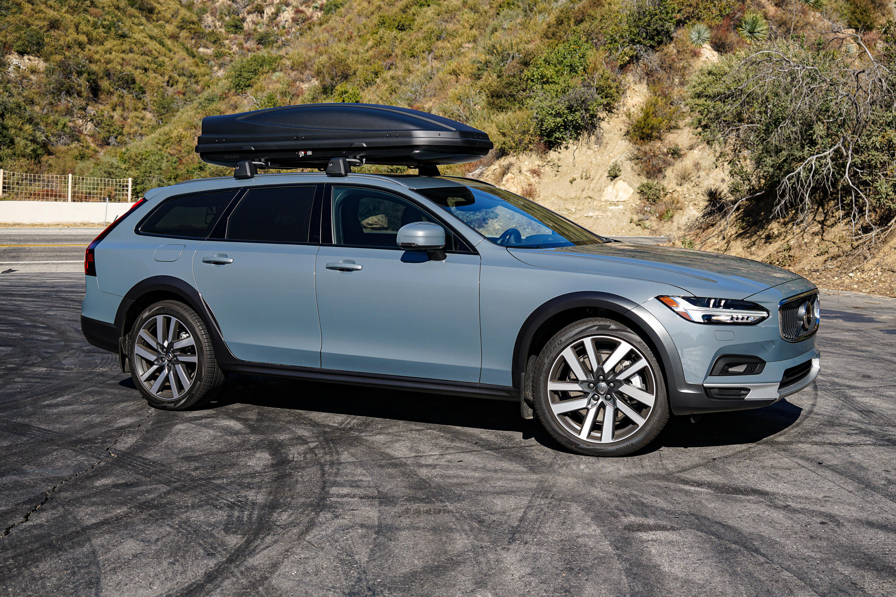 2021-volvo-v90-crosscountry-025
