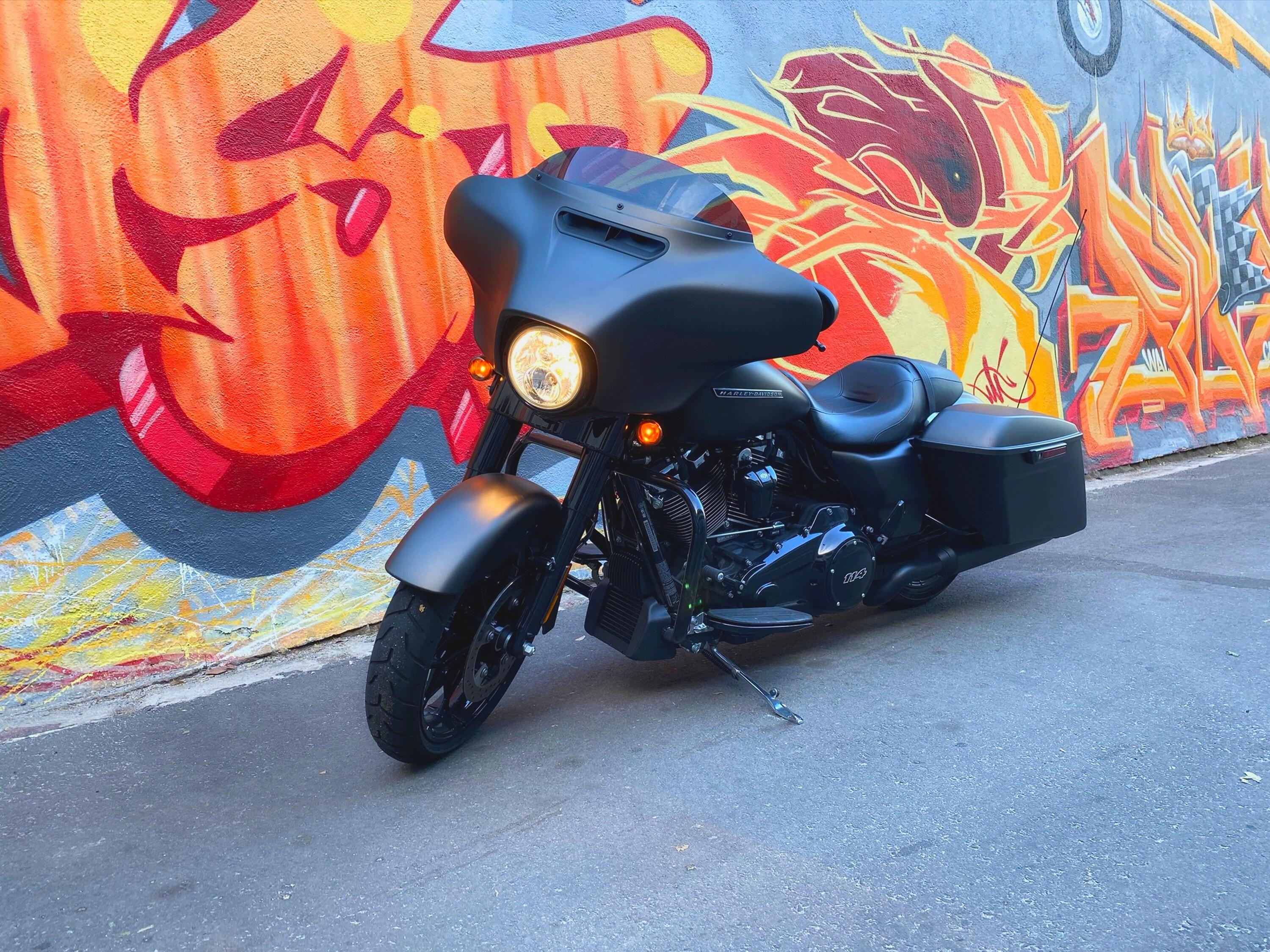 <p>Keeping a big bike like a Street Glide upright can be tough, but Harley's idea for a top case-mounted gyroscope would help with that.</p>