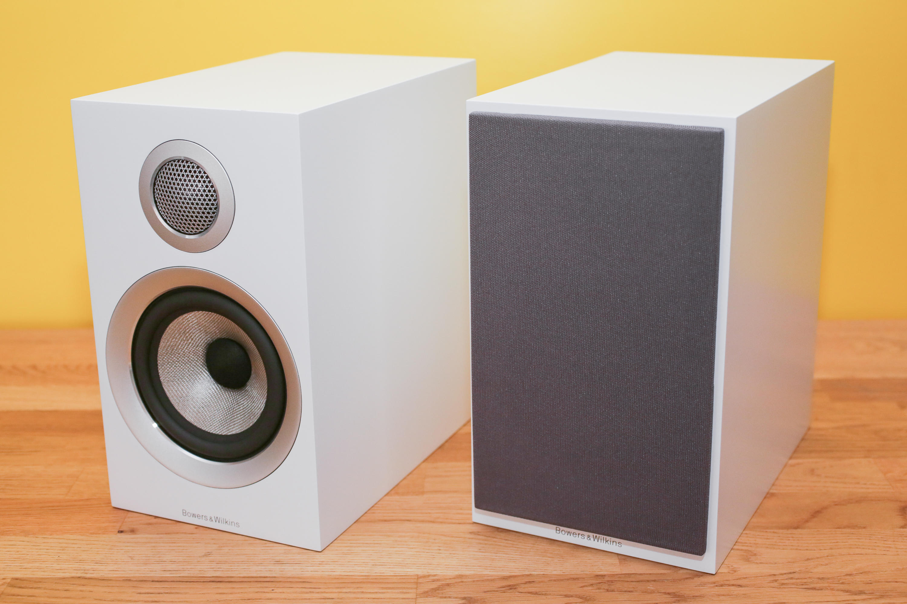 bowers-and-wilkins-707-s2