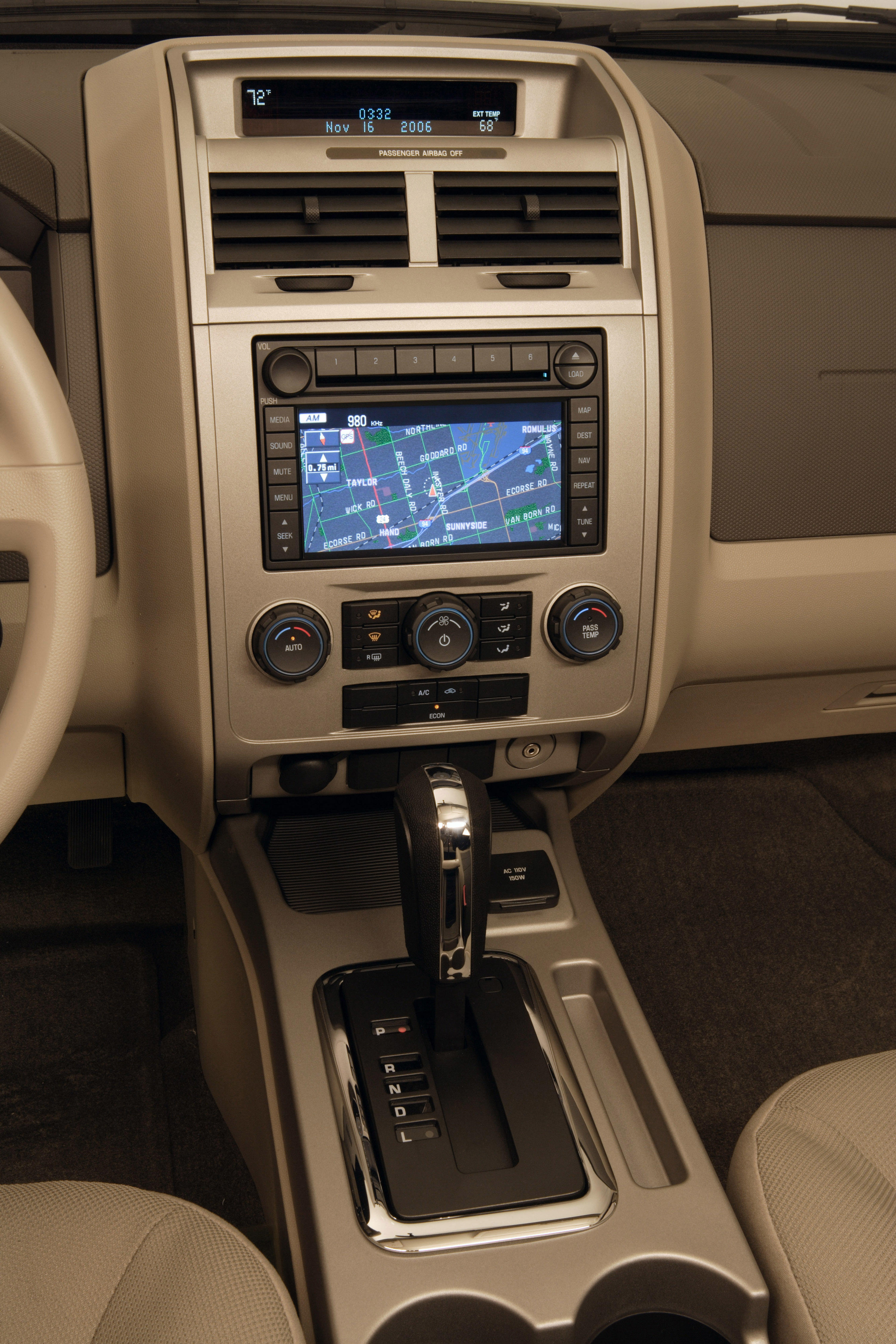 2008-ford-escape-interior-3
