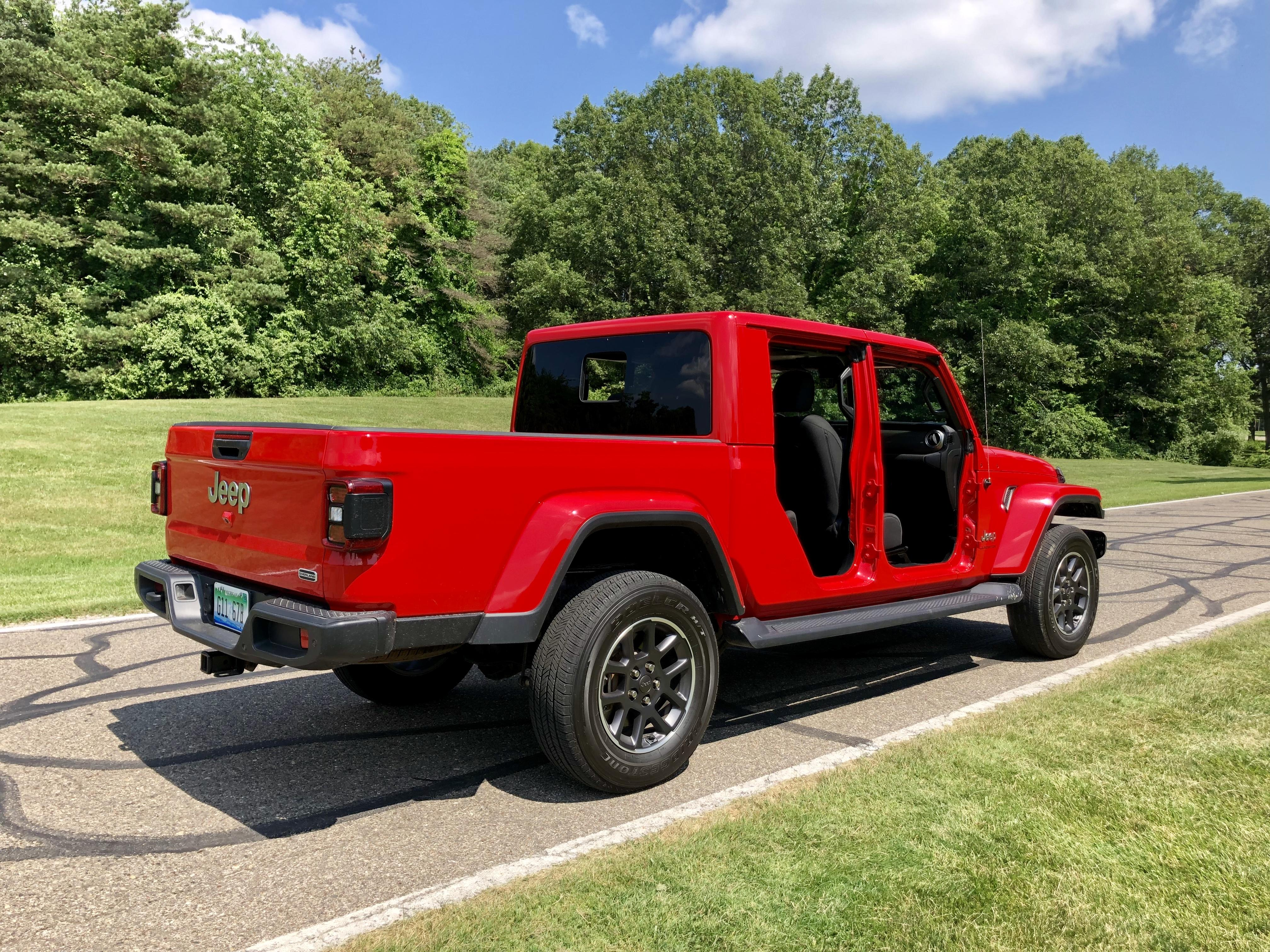 2020 Jeep Gladiator Overland - rear 3/4 view