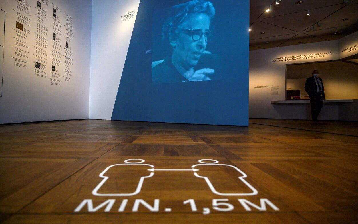Germany: Museum reminds visitors to stay apart