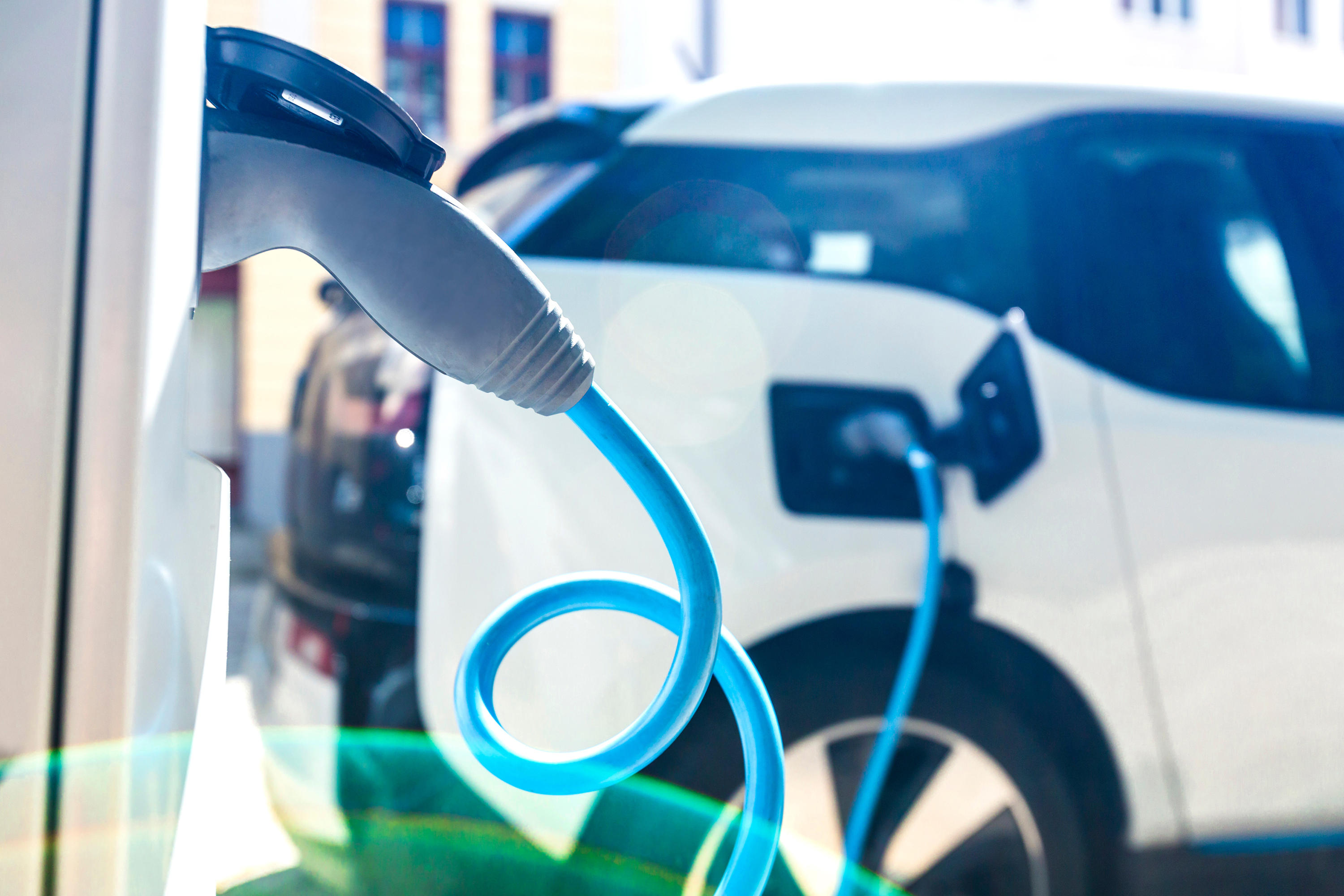 UK could soon mandate EV chargers for new-construction homes - Roadshow