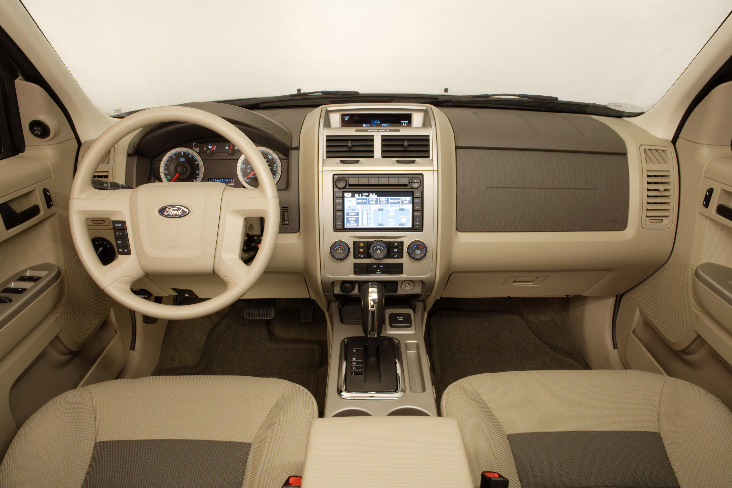 2008-ford-escape-interior-1