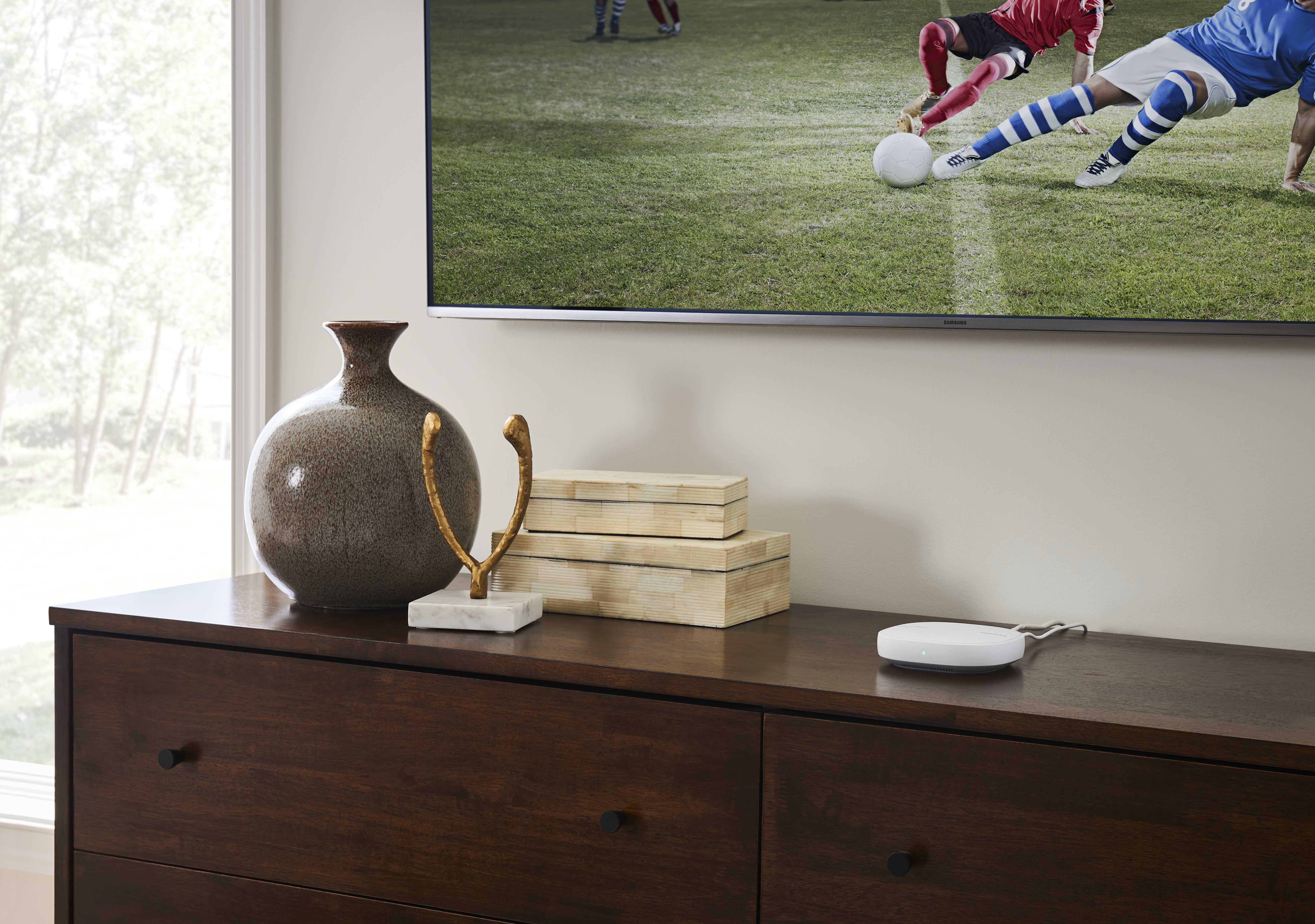 SmartThings Wi-Fi - Lifestyle Images