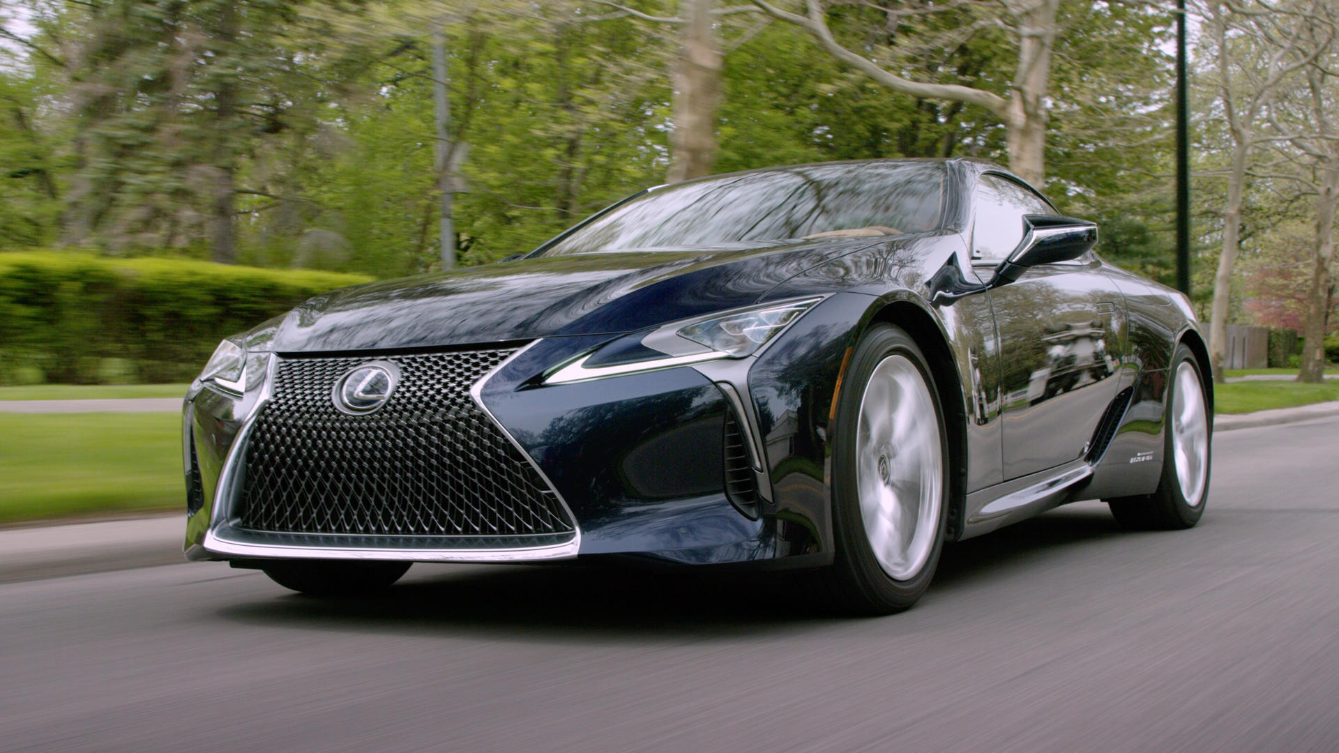 Video: 2019 Lexus LC 500h: Slow and steady wins the race