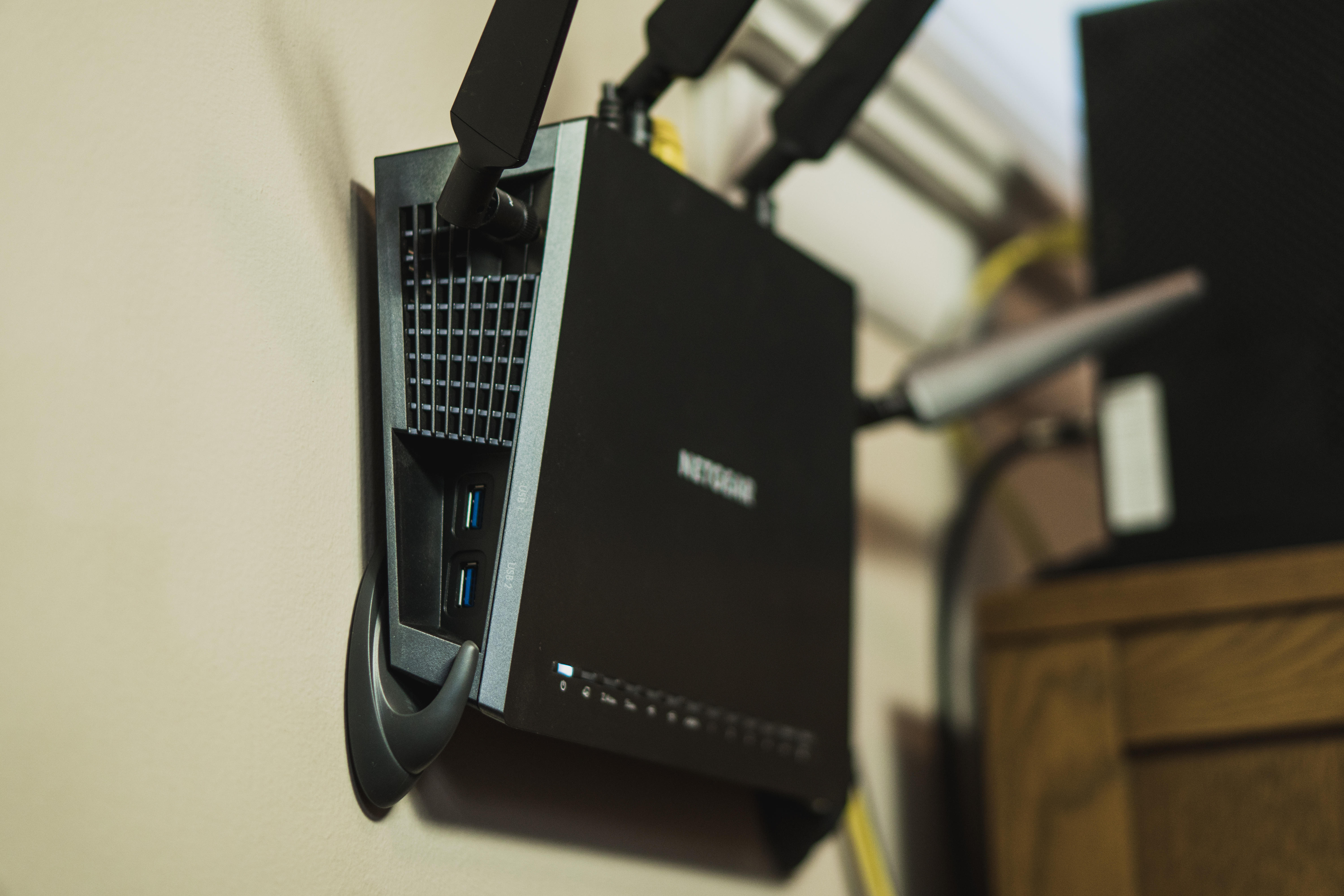 command-hooks-router-wall-mount