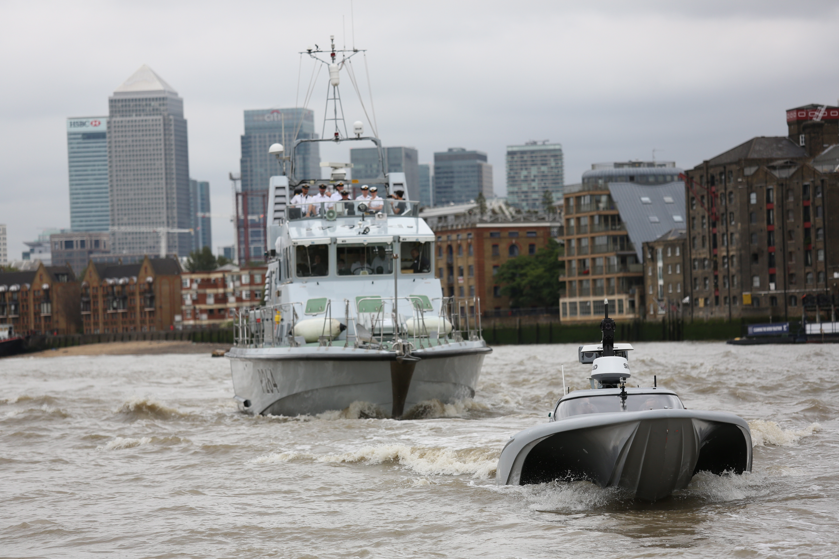 mod-mast-royal-navy-drone-boat-tower-bridge2.jpg