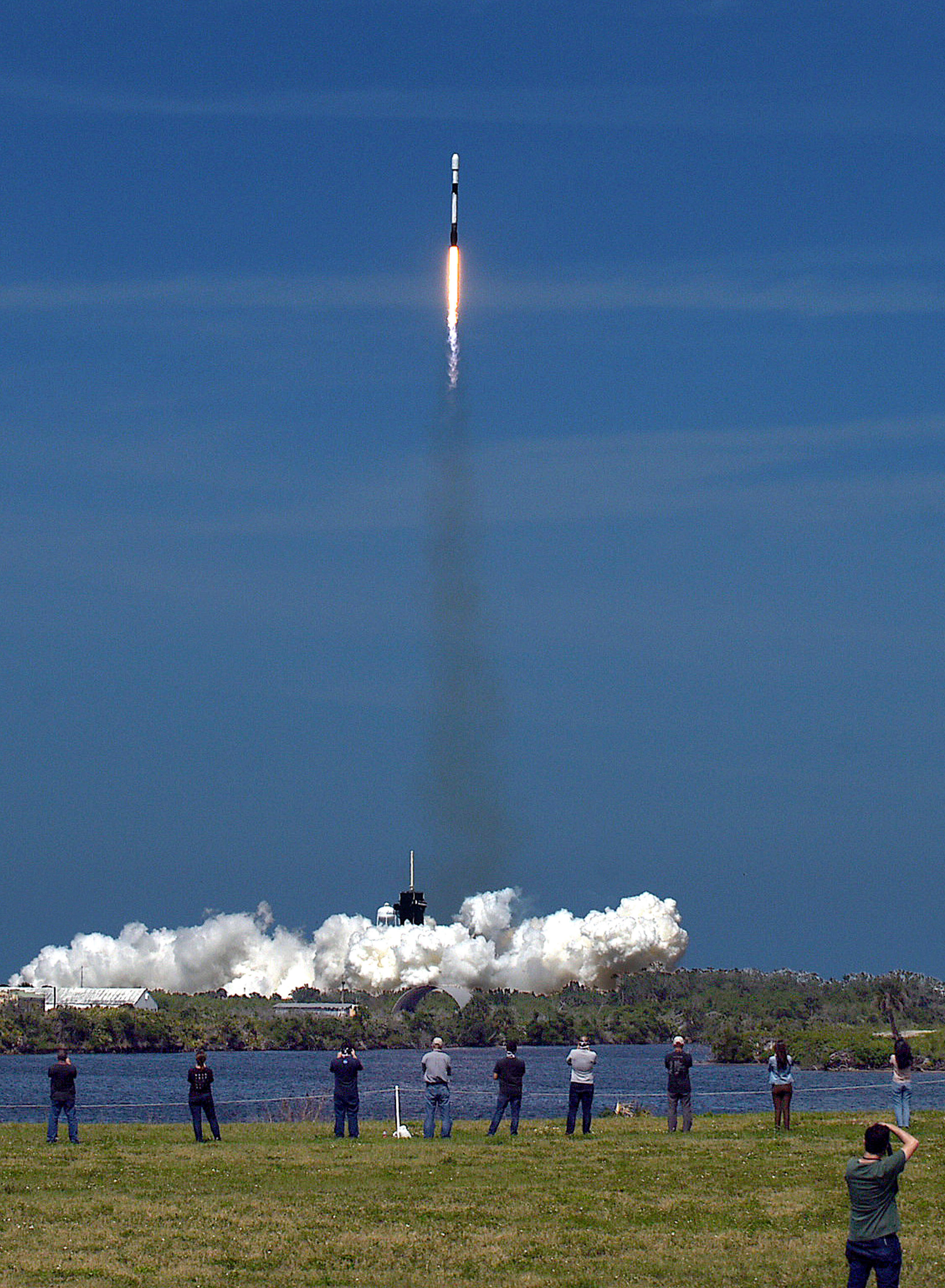 Social distancing during SpaceX Crew Dragon launch