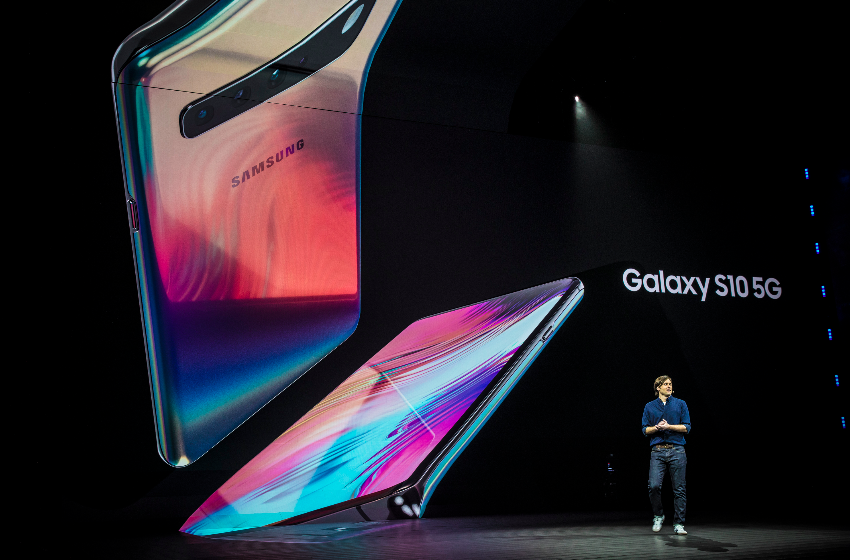 The Galaxy S10 5G on screen at Samsung's Unpacked event on February 20, 2019.