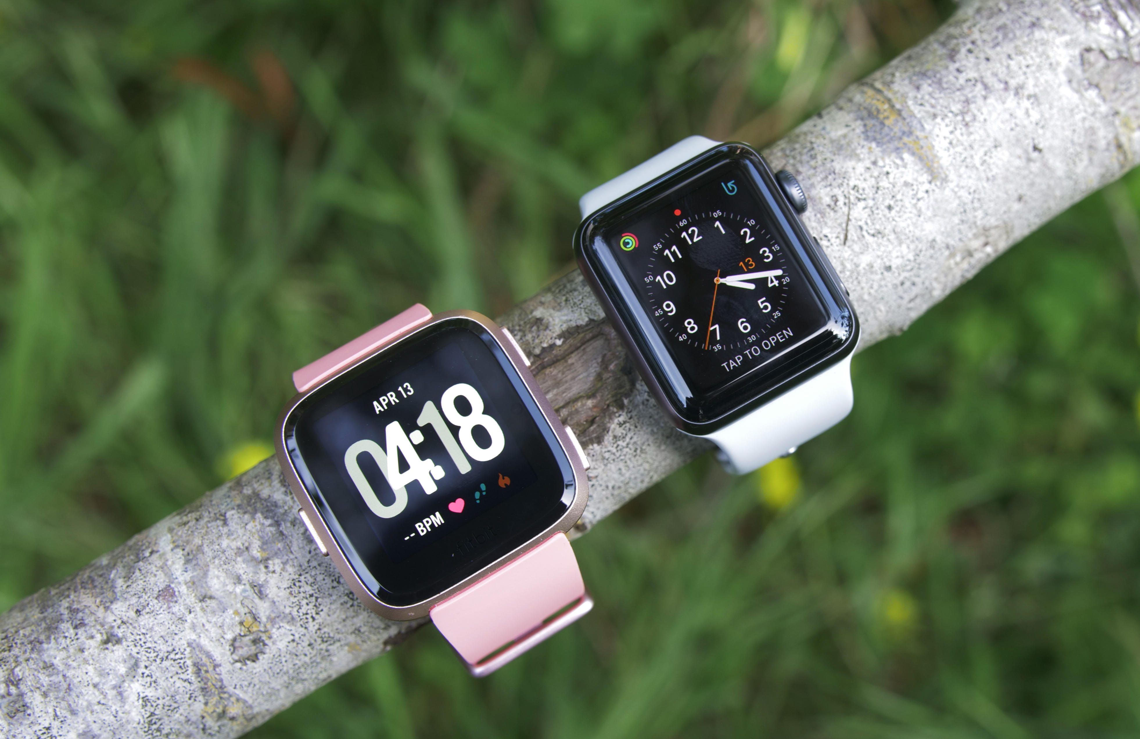 Apple Watch 3 Vs Fitbit Versa Time To Buy A New Smartwatch Cnet