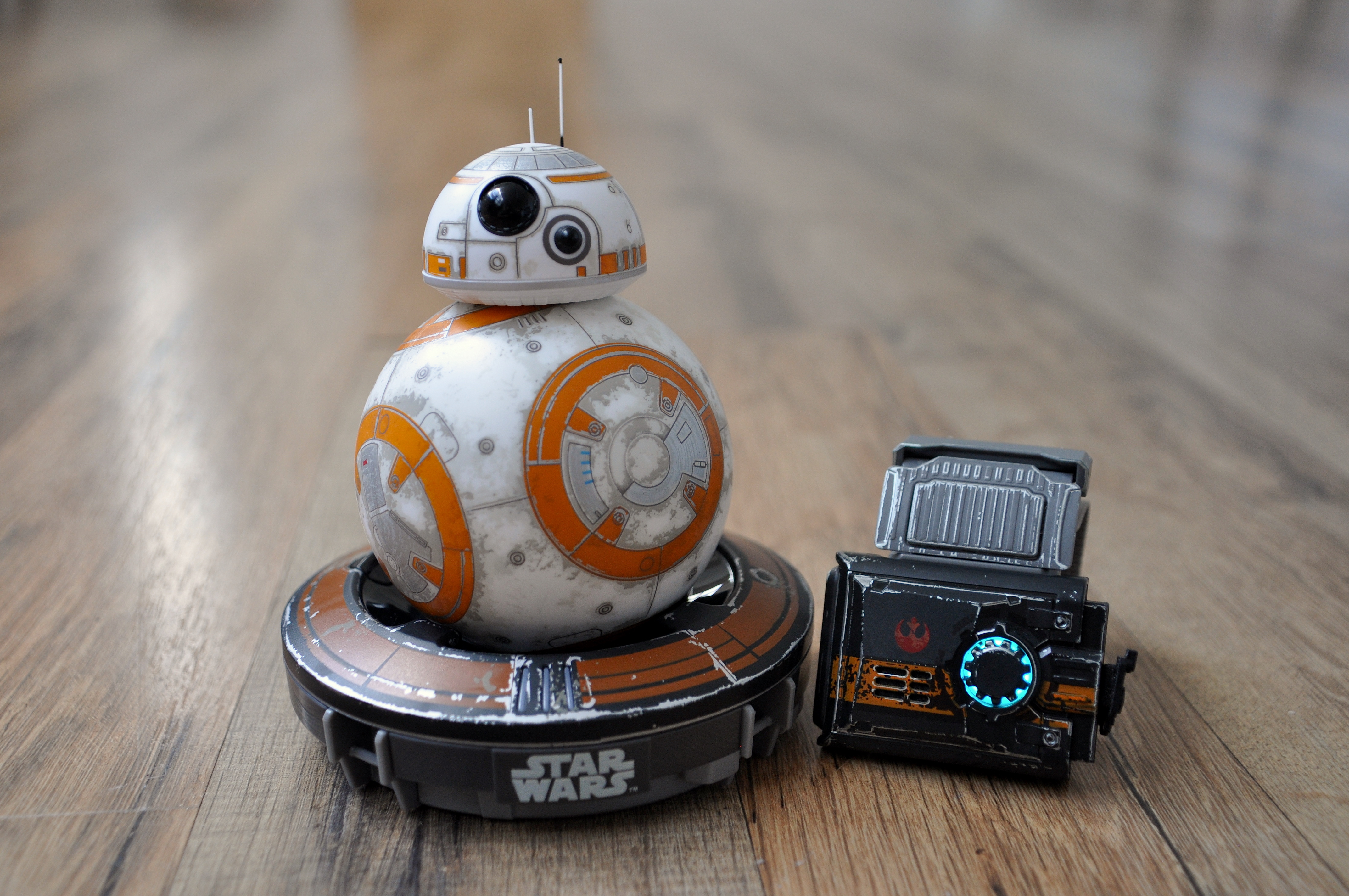 BB-8-Battle-Worn-The-Force-Band