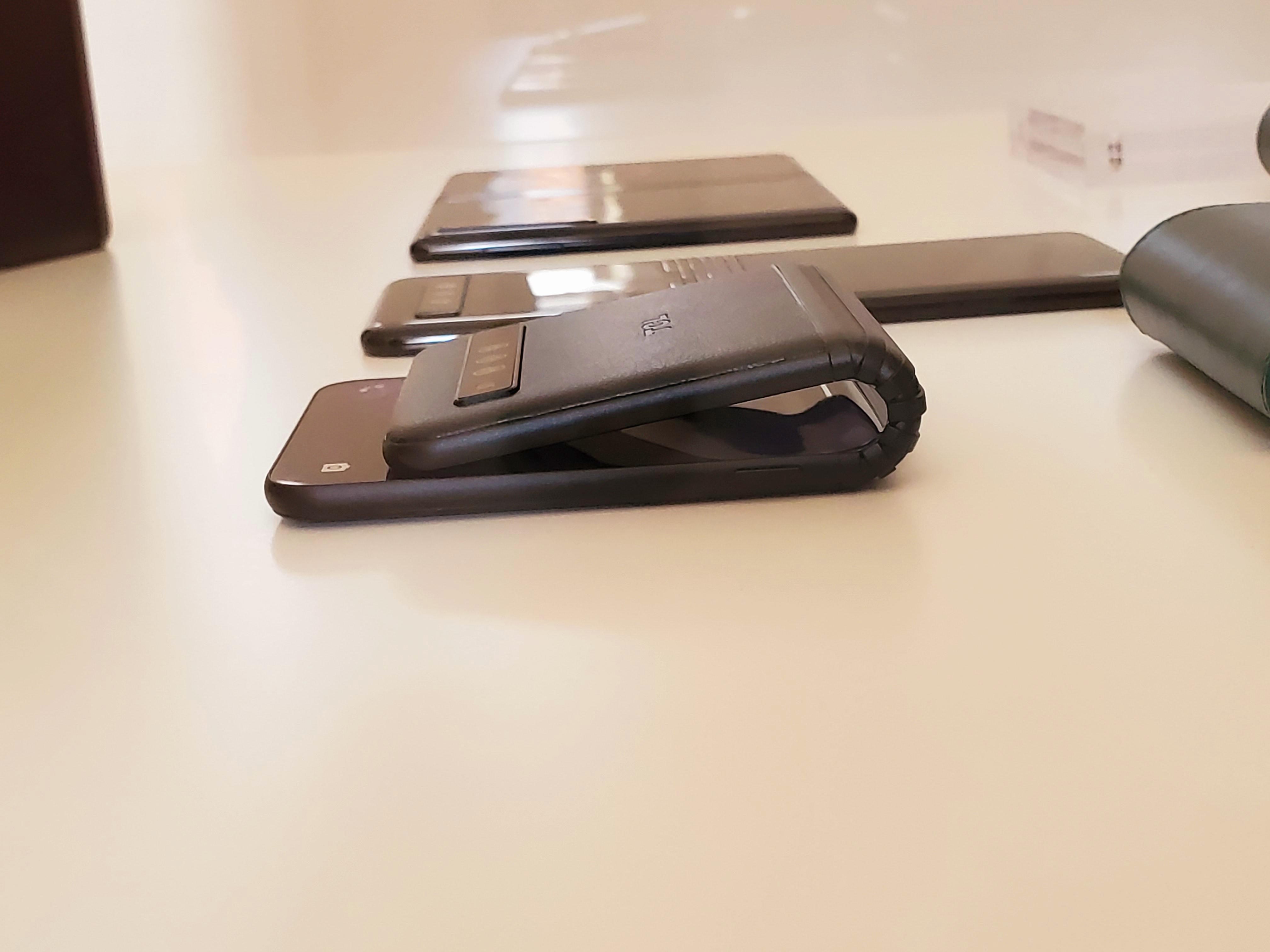 tcl-foldable-bend