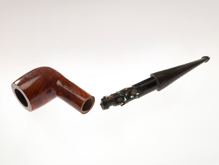 Tobacco pipe receiver