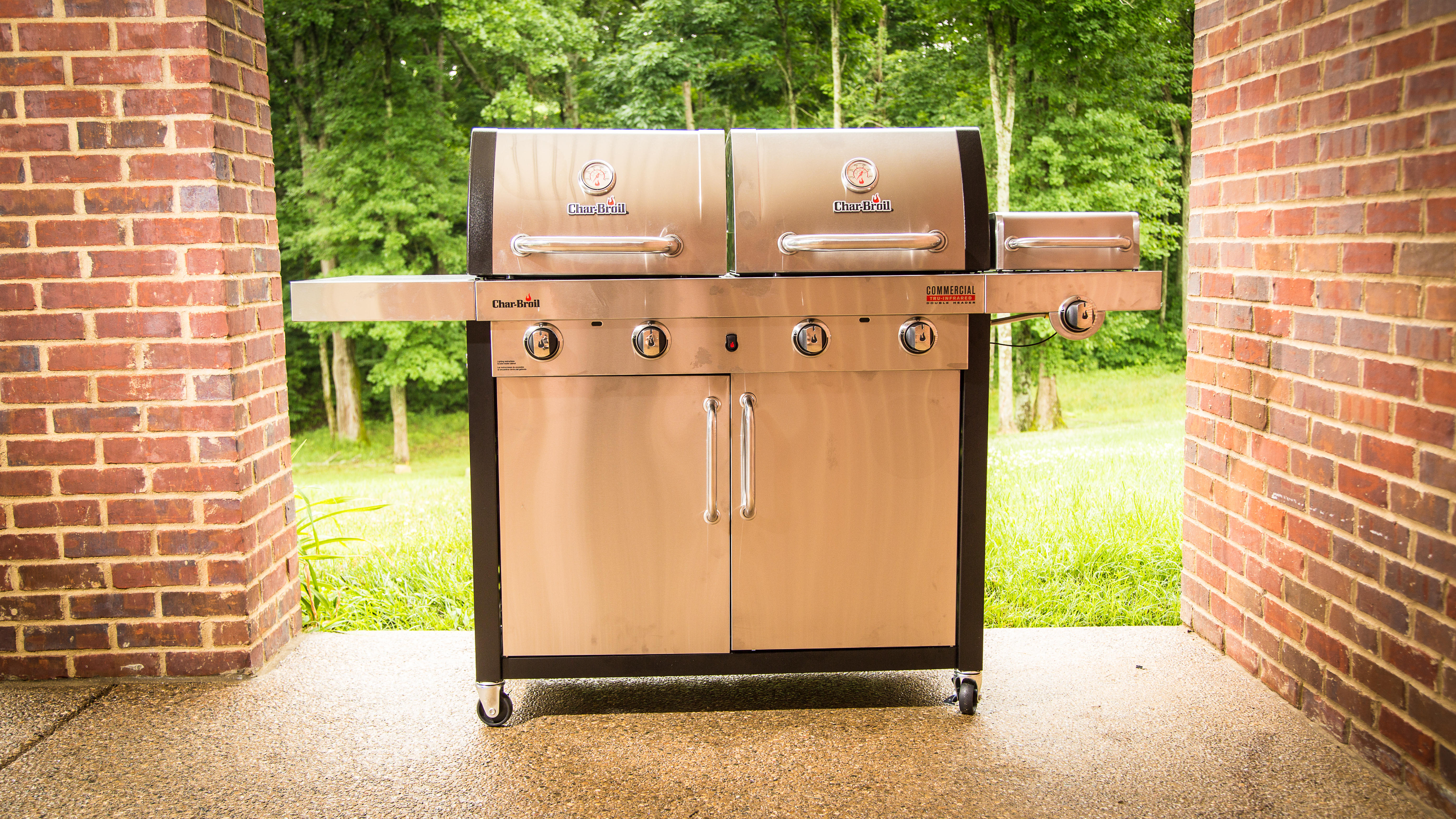 Char Broil Commercial Double Header Gas Grill Review Char Broil S Double Gas Grill Is Great For Newbies Cnet