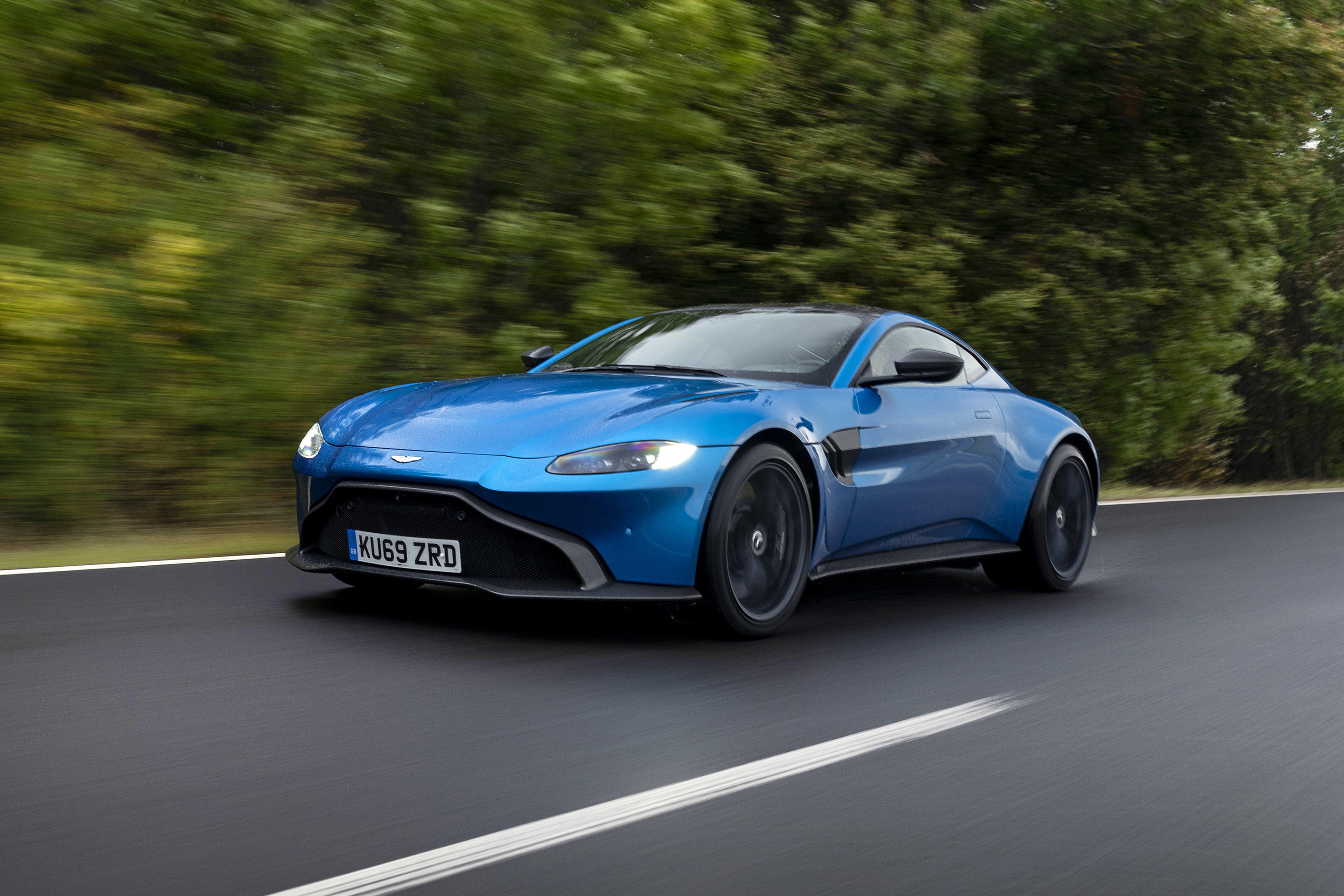 2020 Aston Martin Vantage Amr First Drive Review Stick Shift Standout Roadshow