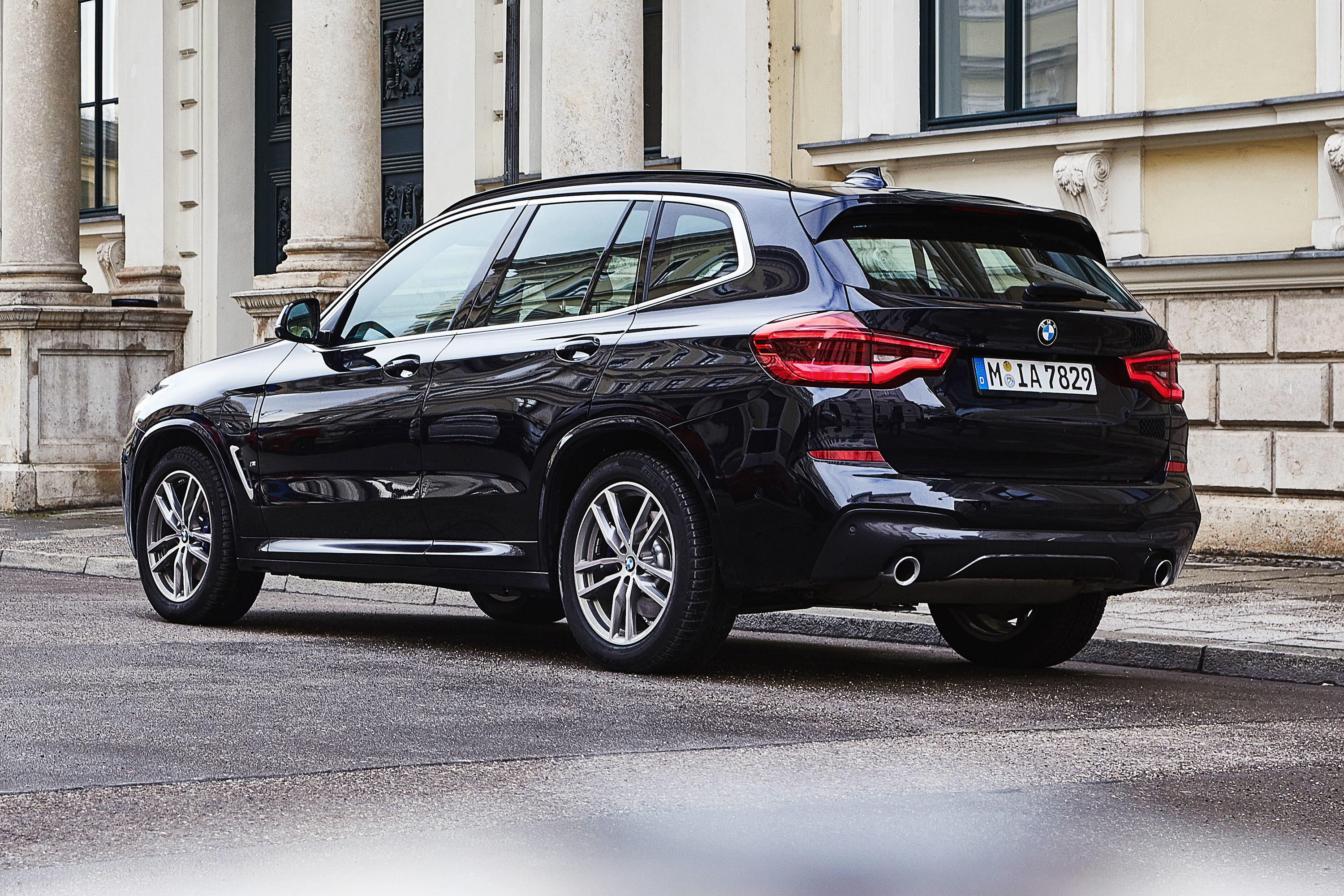 2020 BMW X3 xDrive30e first drive review: A plug-in SUV with no shortage of sport - Roadshow