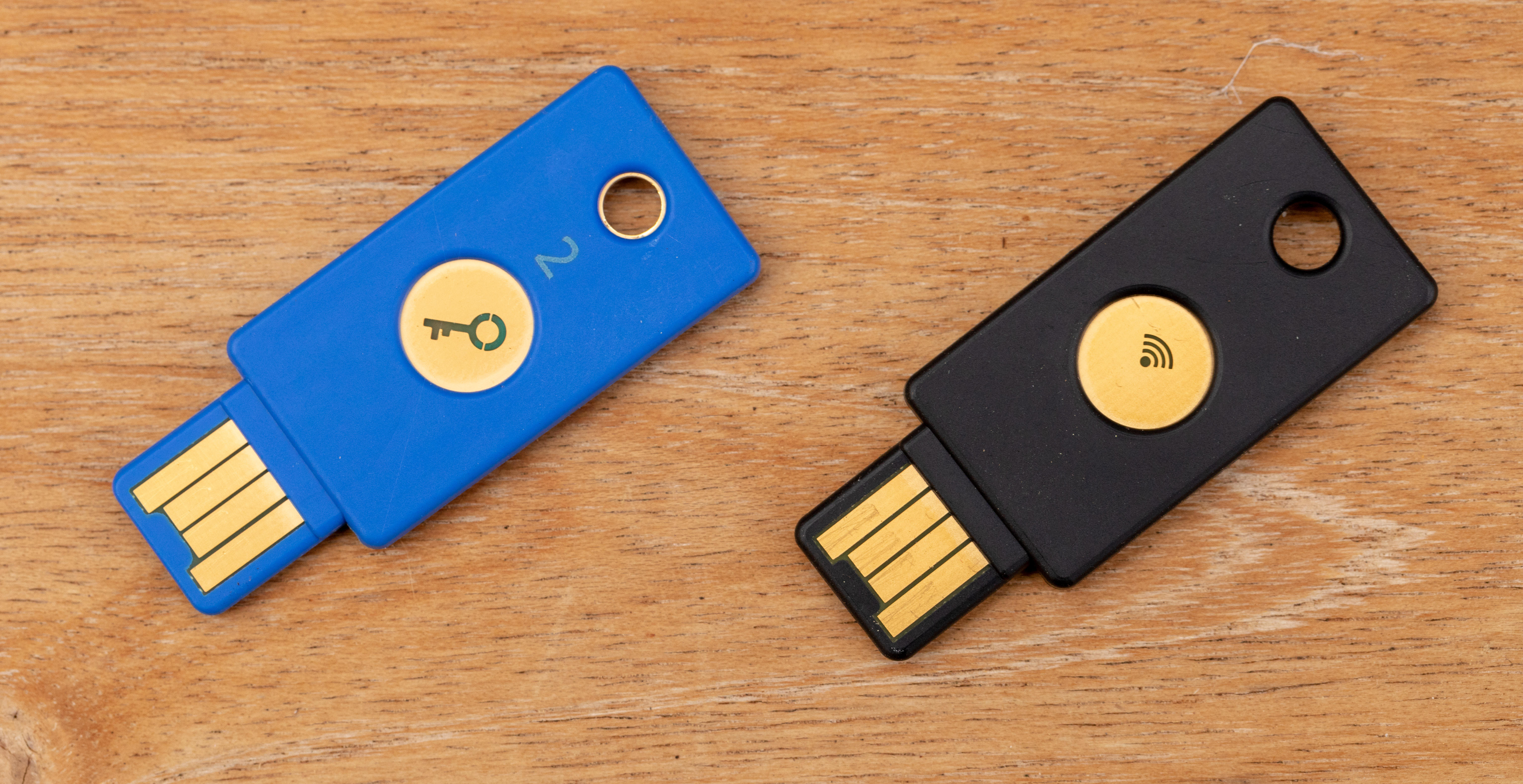 Yubico's hardware security keys support let you log on without a password on sites, apps and devices that support the FIDO2 authentication technology.
