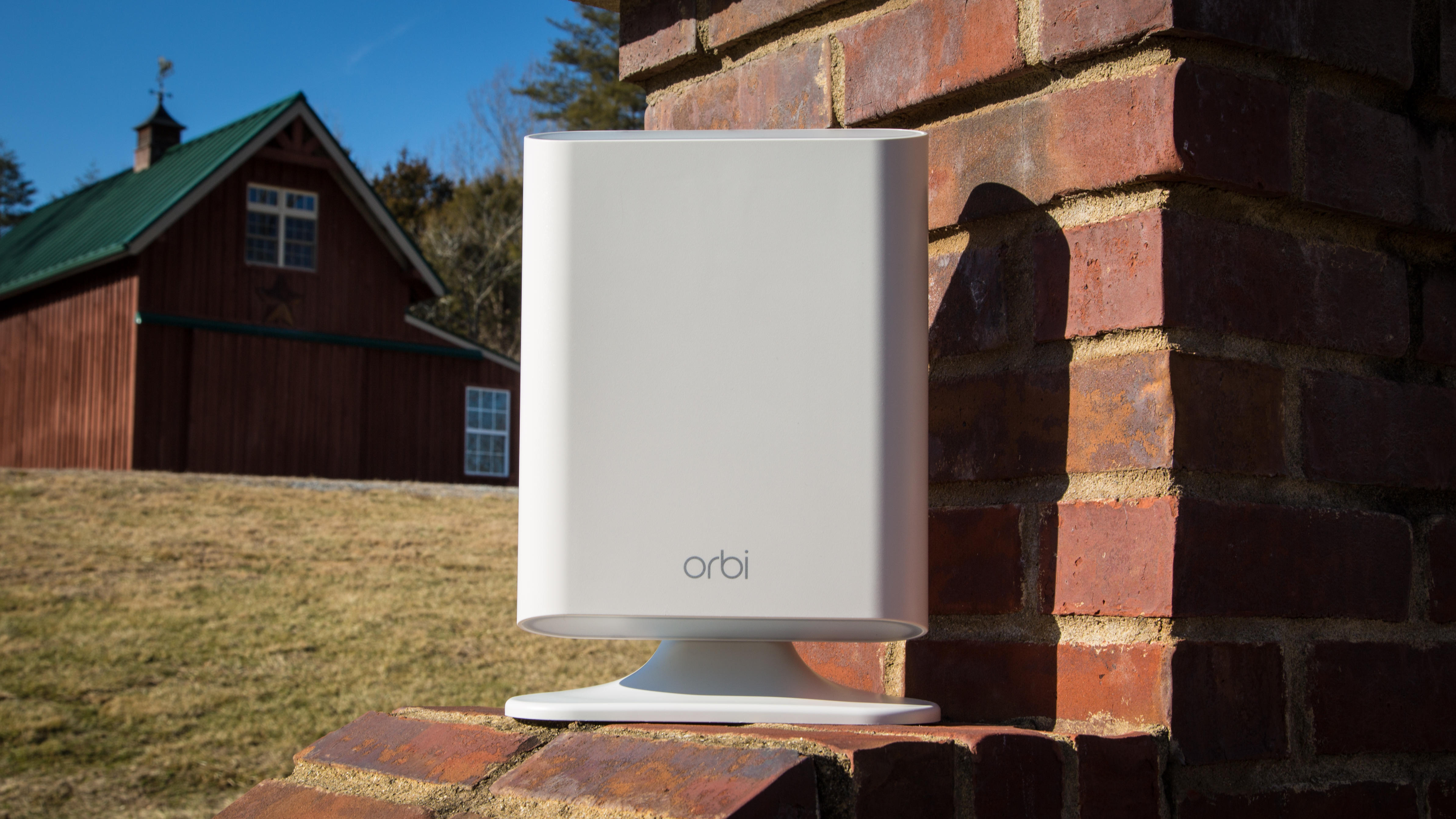 netgear-orbi-outdoor-3